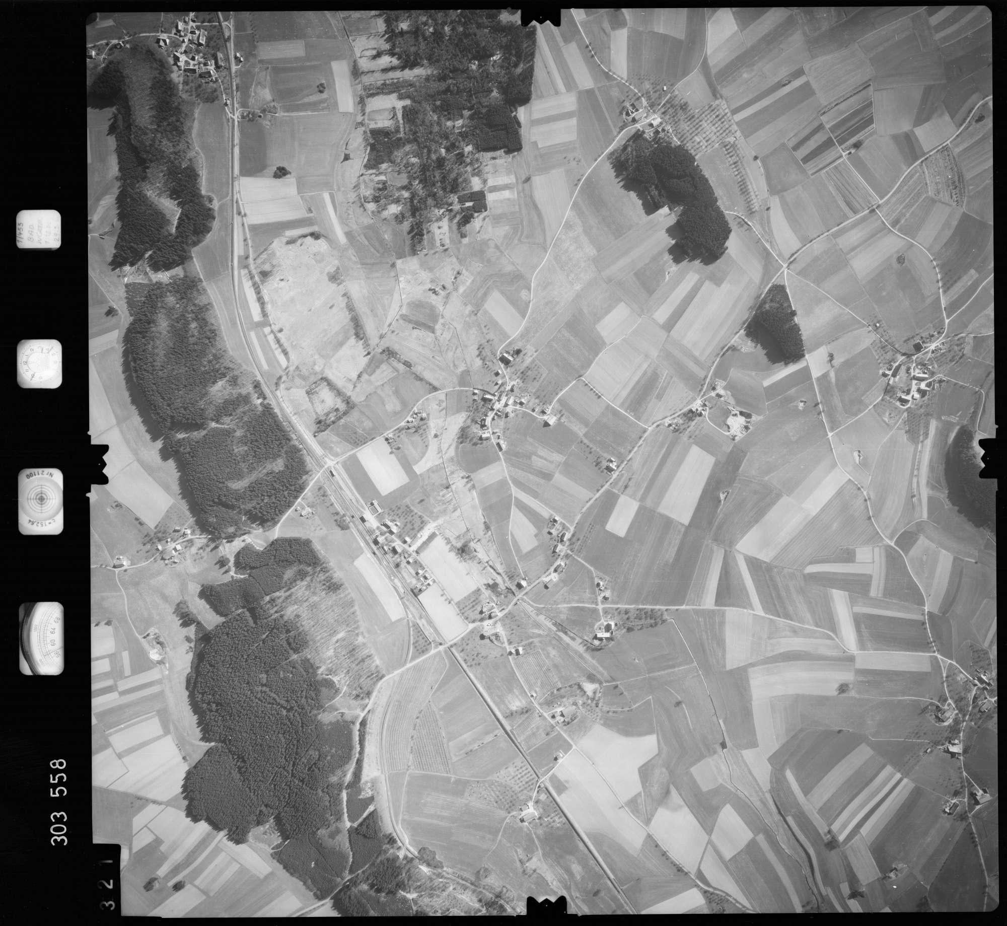 Luftbild: Film 64 Bildnr. 321, Bild 1