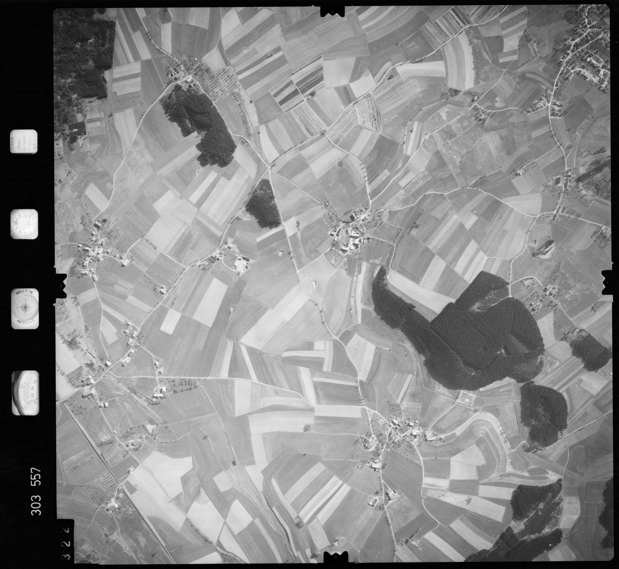 Luftbild: Film 64 Bildnr. 322, Bild 1
