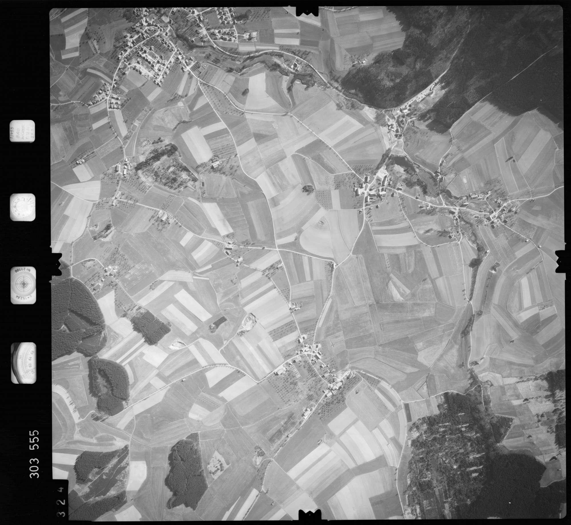 Luftbild: Film 64 Bildnr. 324, Bild 1
