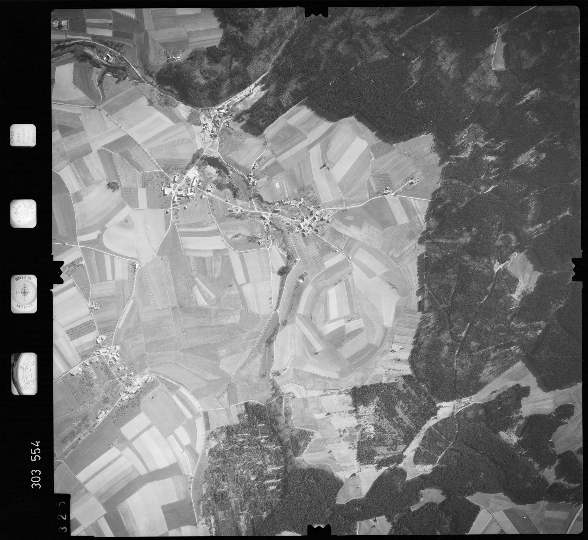 Luftbild: Film 64 Bildnr. 325, Bild 1