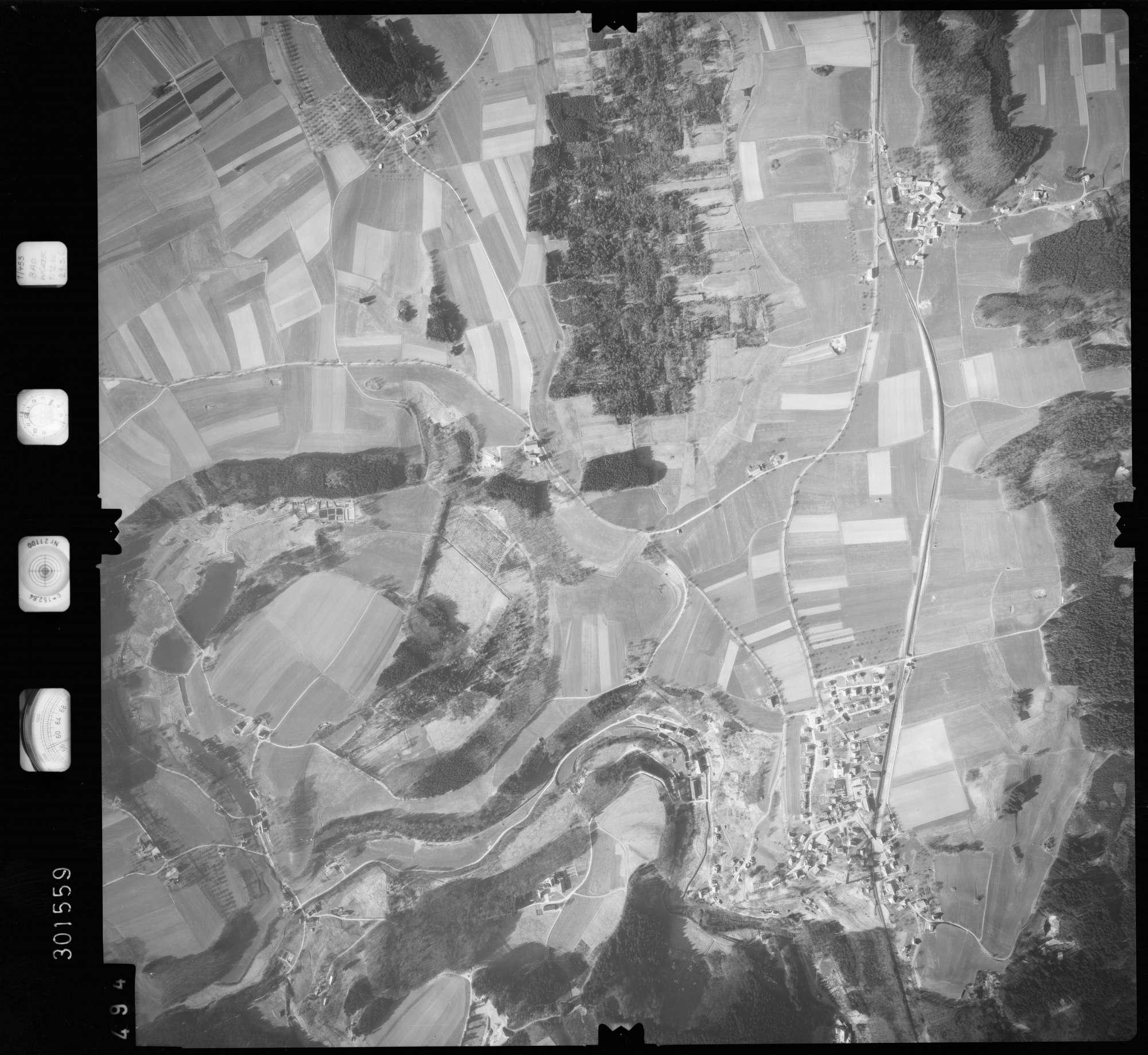 Luftbild: Film 64 Bildnr. 494, Bild 1