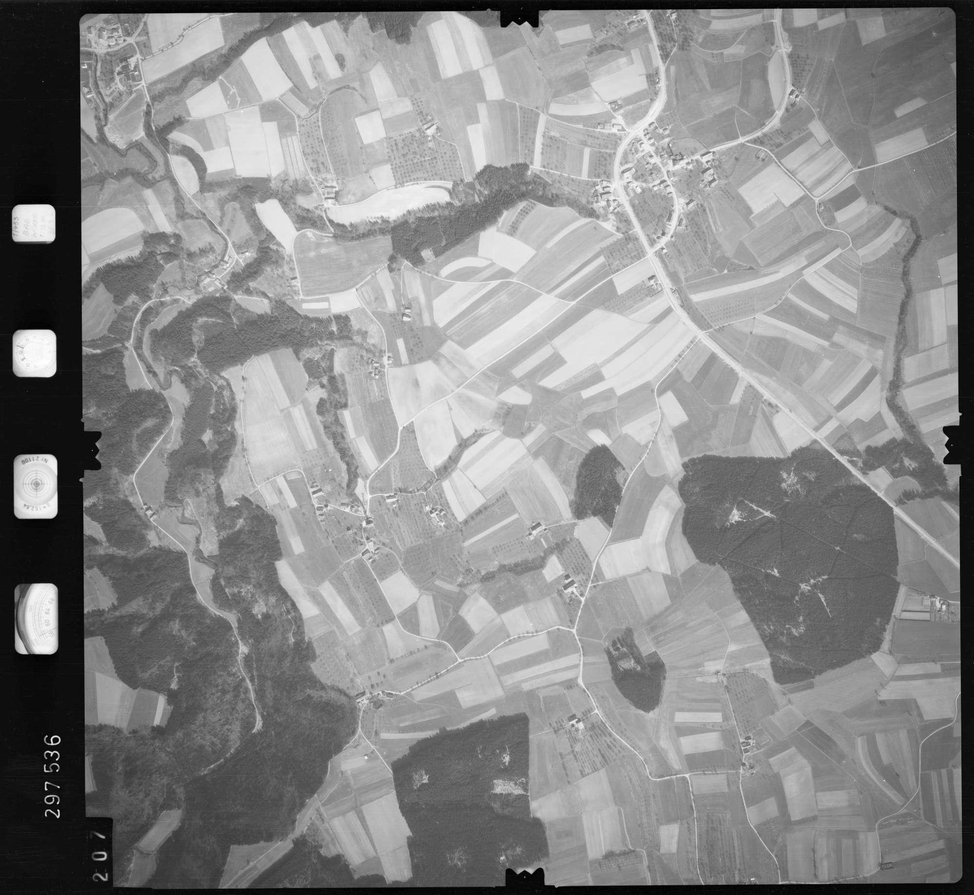 Luftbild: Film 66 Bildnr. 207, Bild 1