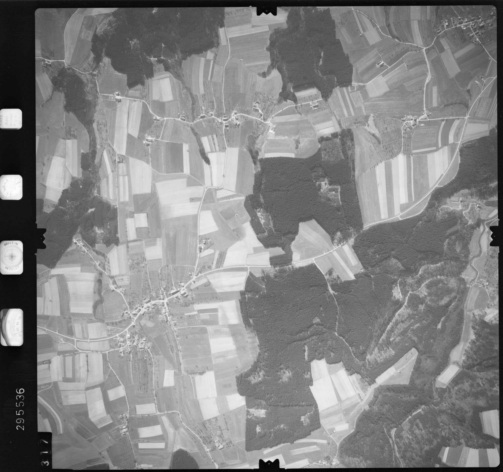 Luftbild: Film 69 Bildnr. 317, Bild 1