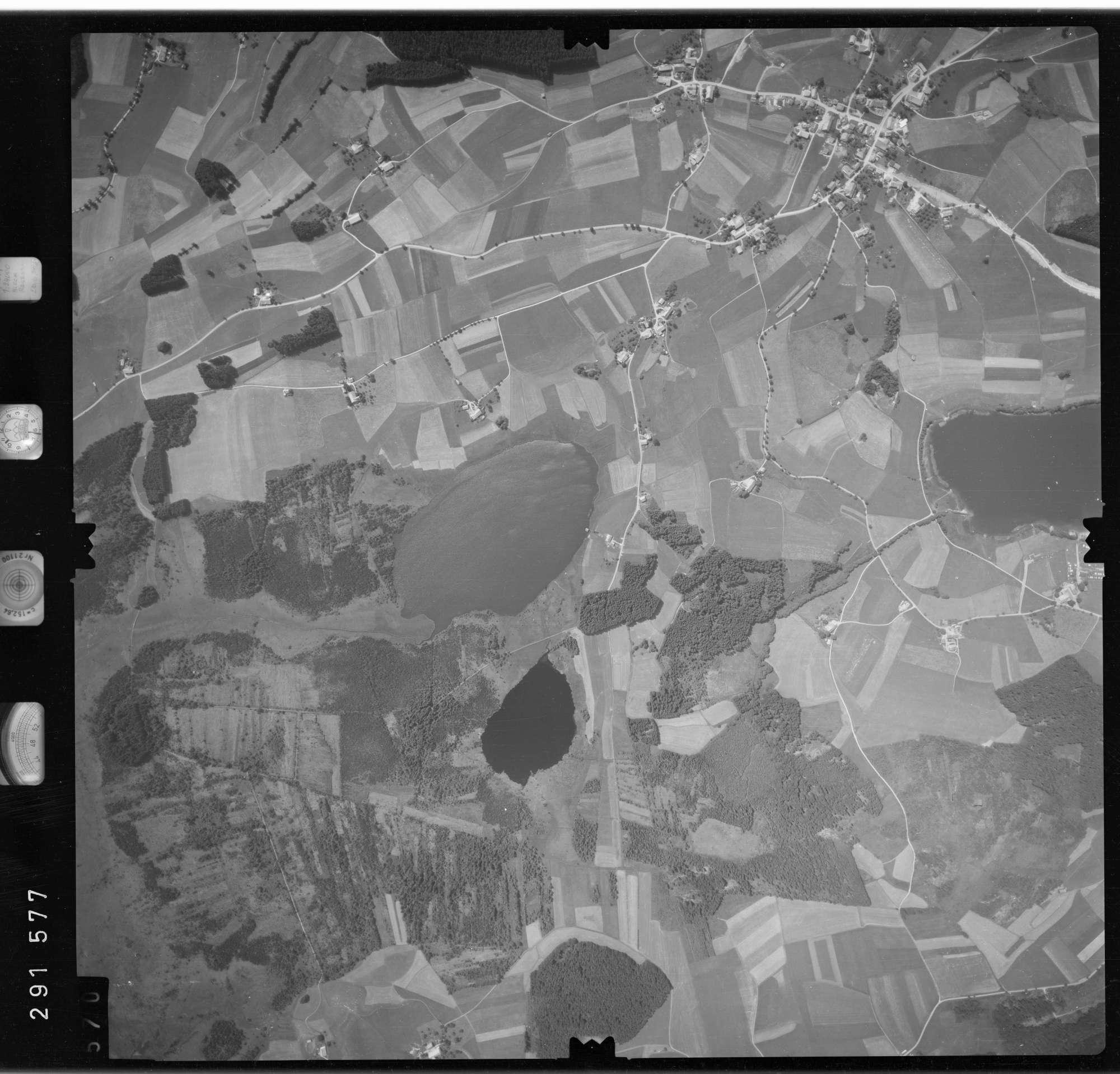 Luftbild: Film 76 Bildnr. 570, Bild 1