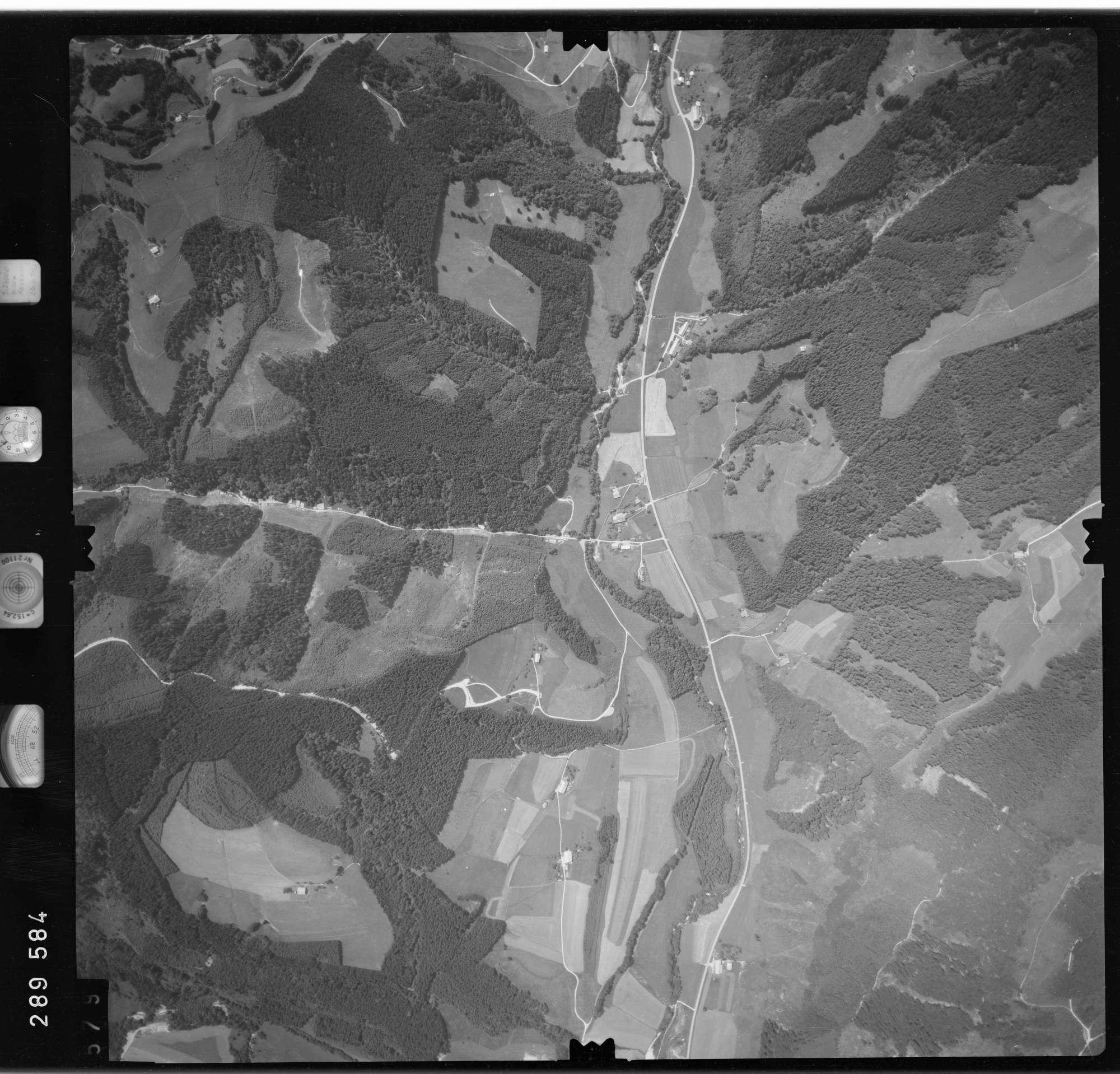 Luftbild: Film 76 Bildnr. 579, Bild 1