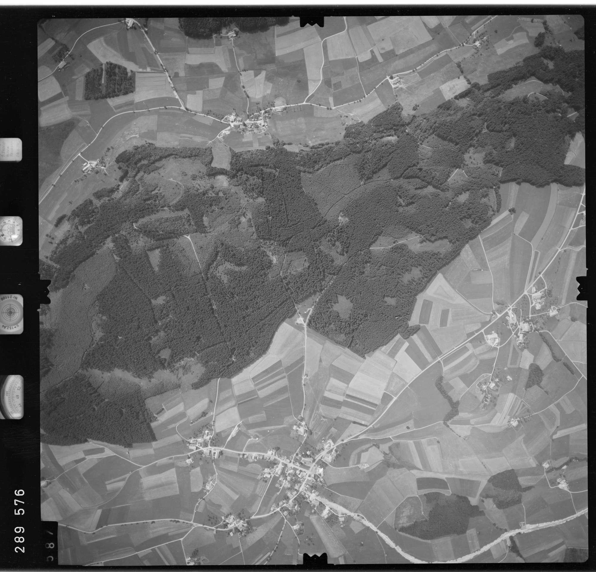 Luftbild: Film 76 Bildnr. 587, Bild 1