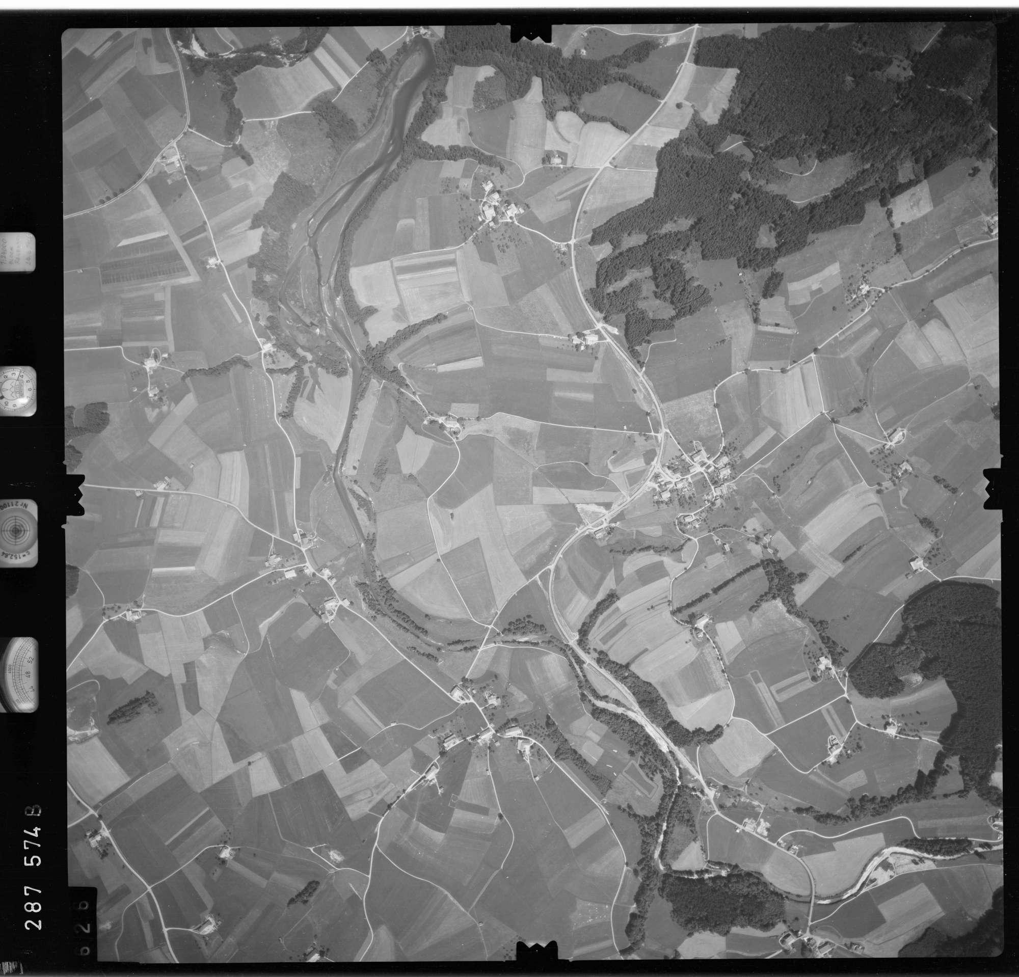 Luftbild: Film 76 Bildnr. 626, Bild 1