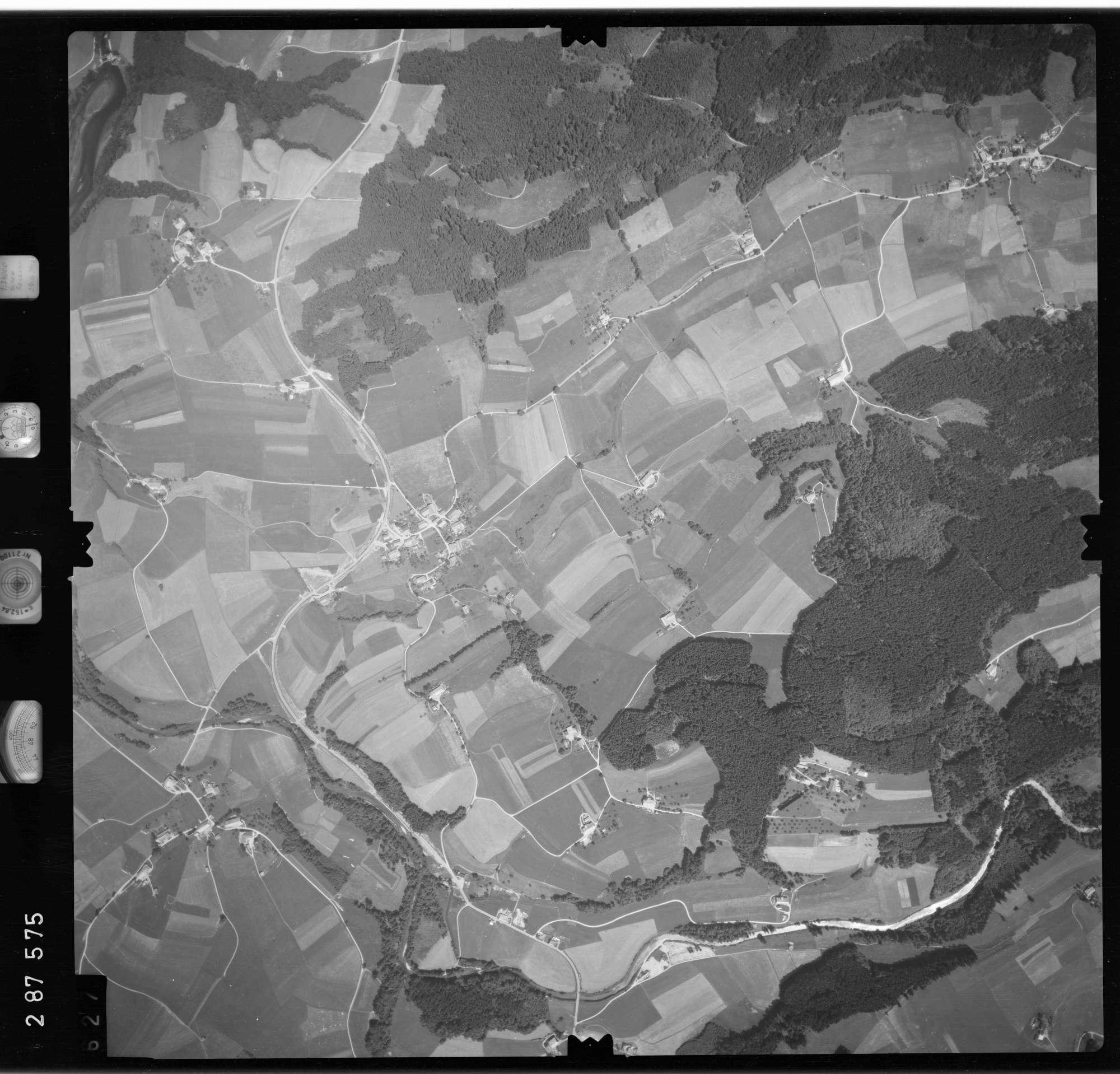 Luftbild: Film 76 Bildnr. 627, Bild 1