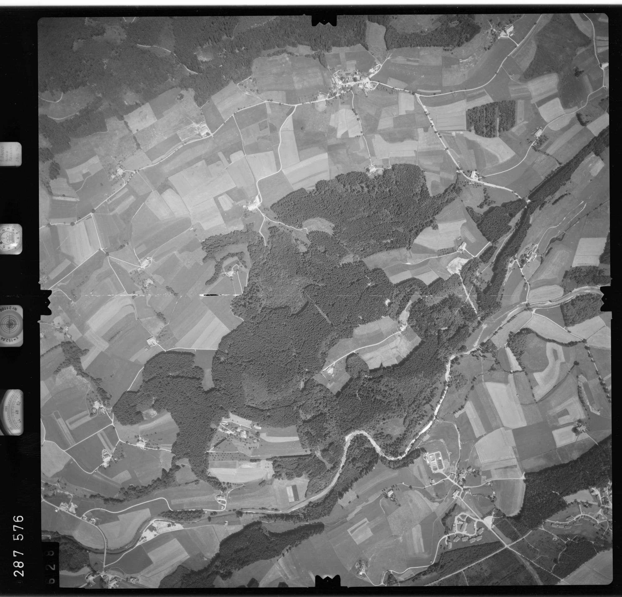 Luftbild: Film 76 Bildnr. 628, Bild 1