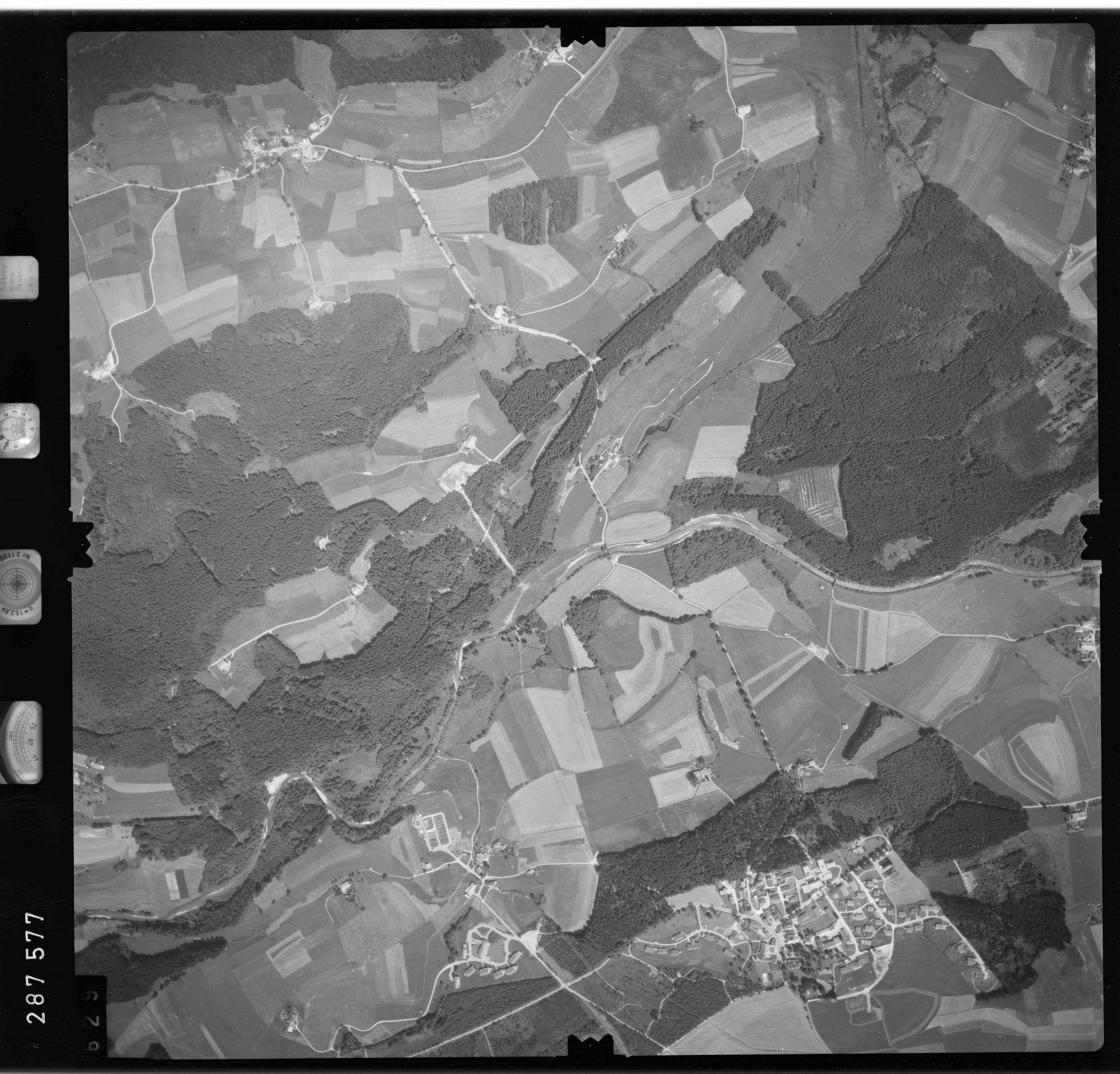 Luftbild: Film 76 Bildnr. 629, Bild 1