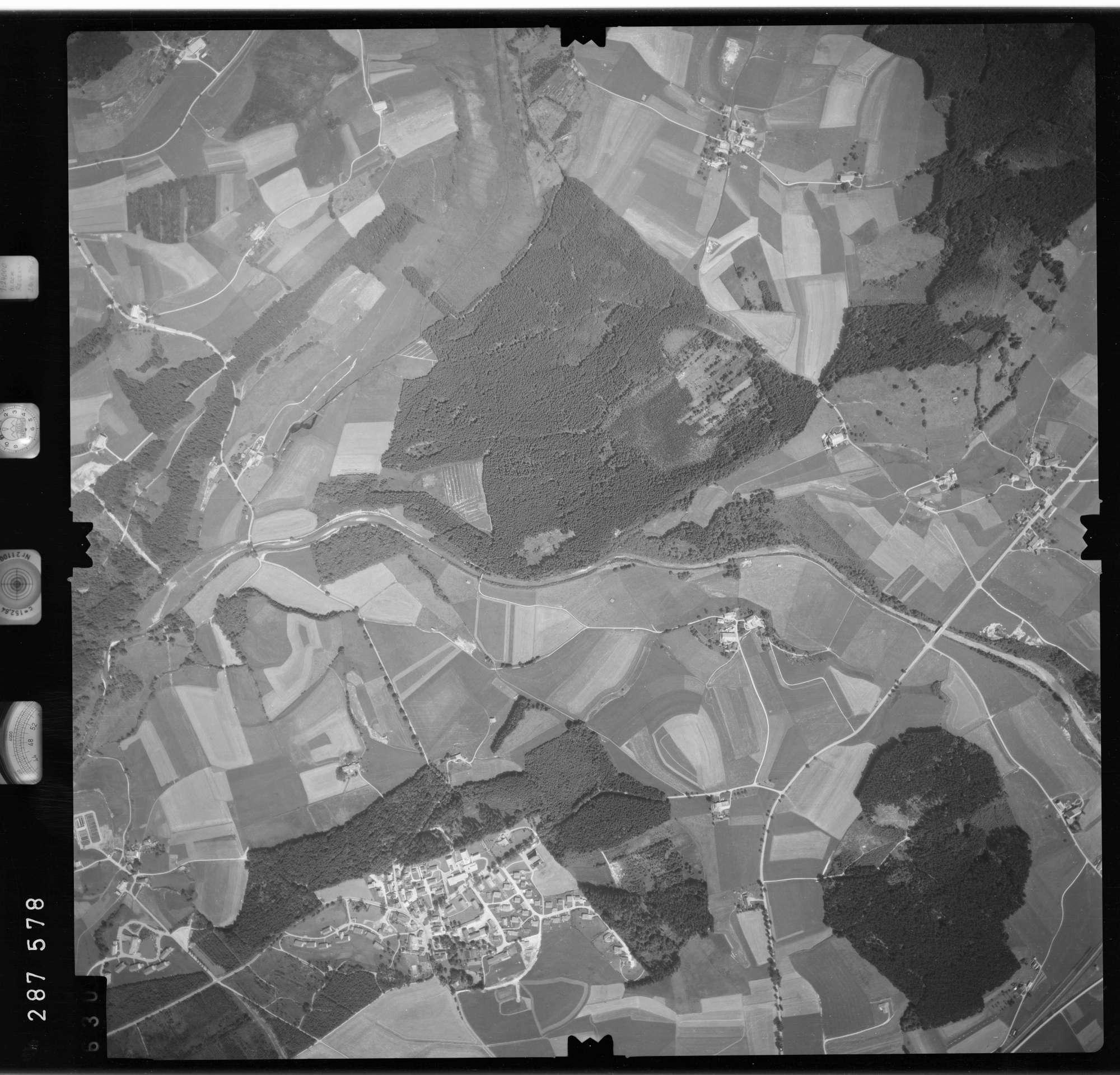 Luftbild: Film 76 Bildnr. 630, Bild 1
