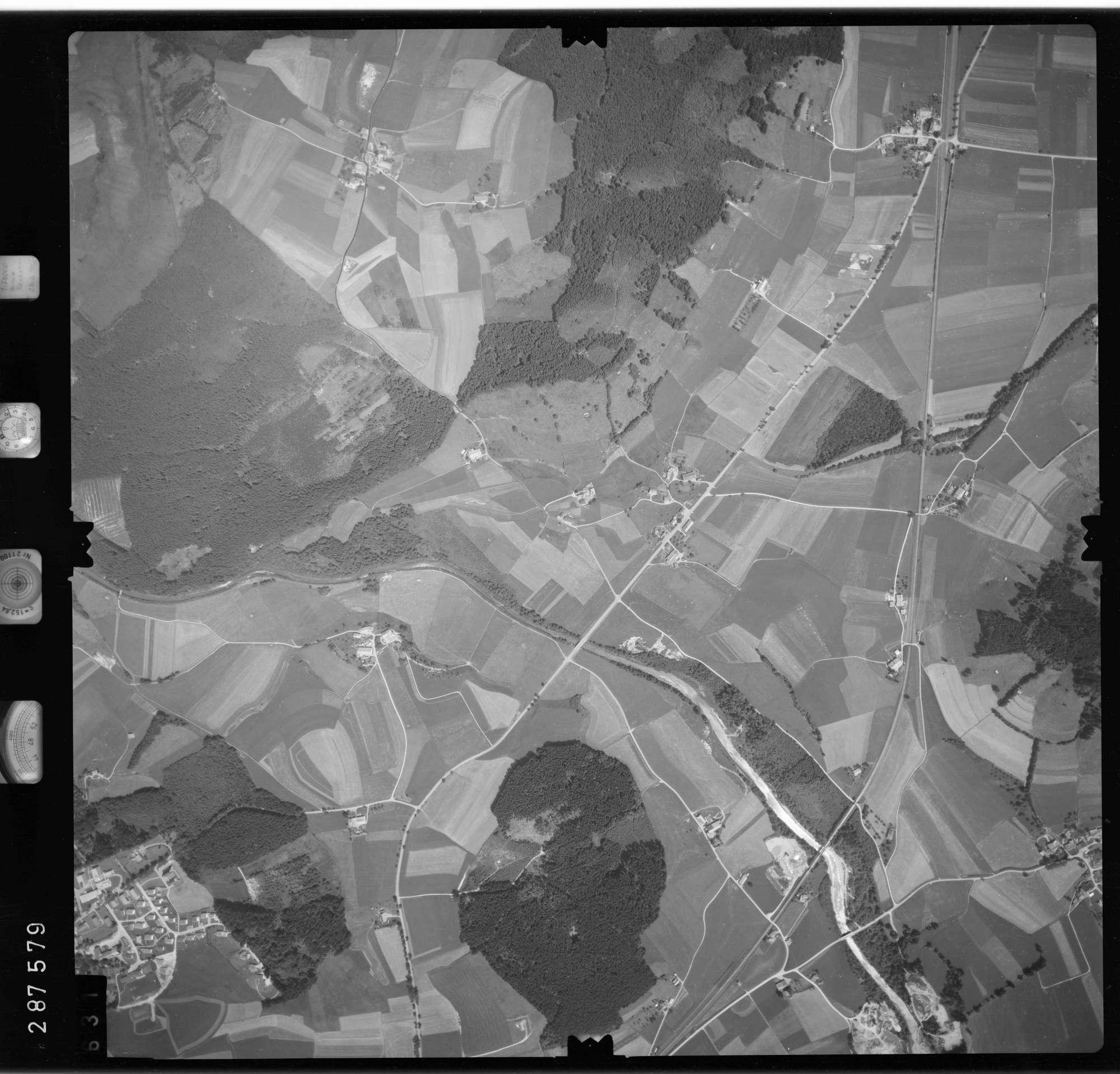 Luftbild: Film 76 Bildnr. 631, Bild 1