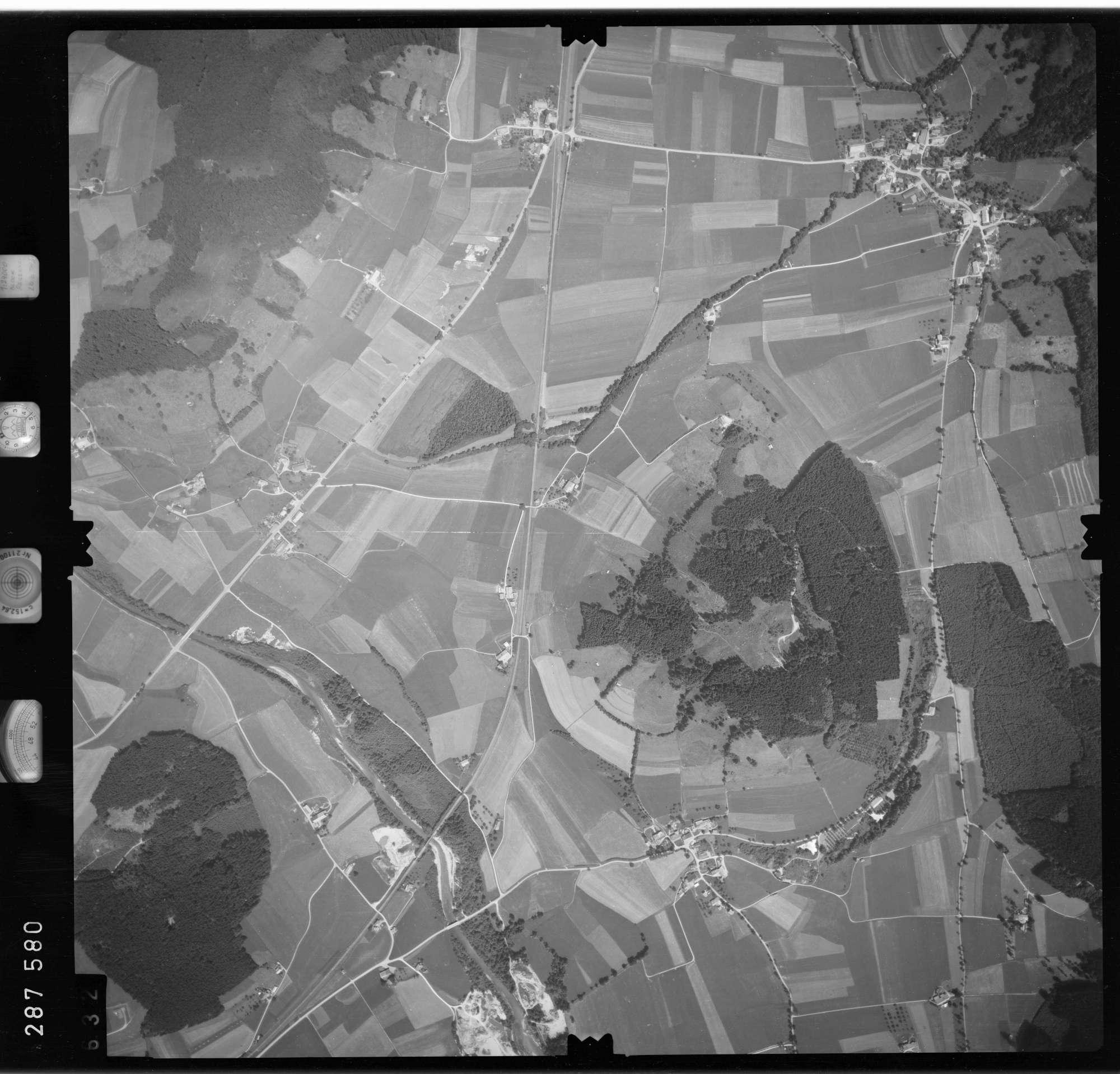 Luftbild: Film 76 Bildnr. 632, Bild 1