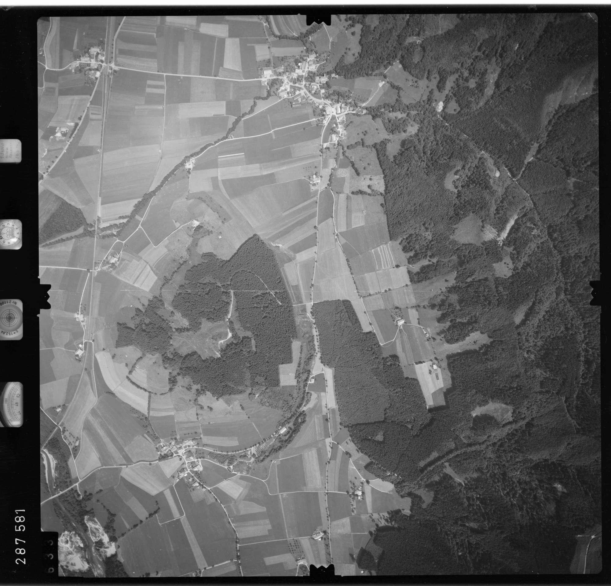 Luftbild: Film 76 Bildnr. 633, Bild 1