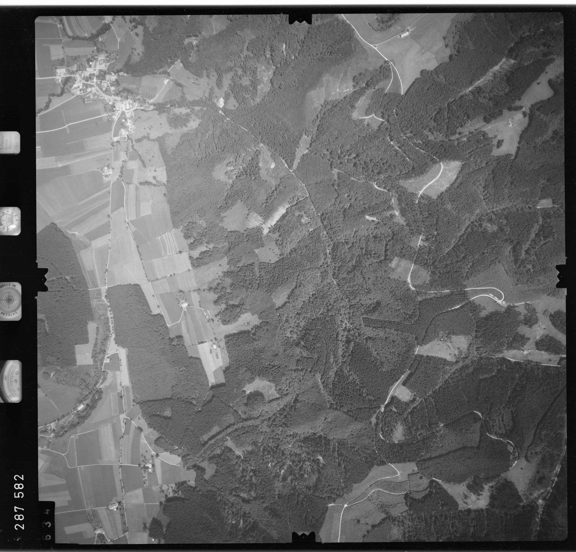 Luftbild: Film 76 Bildnr. 634, Bild 1