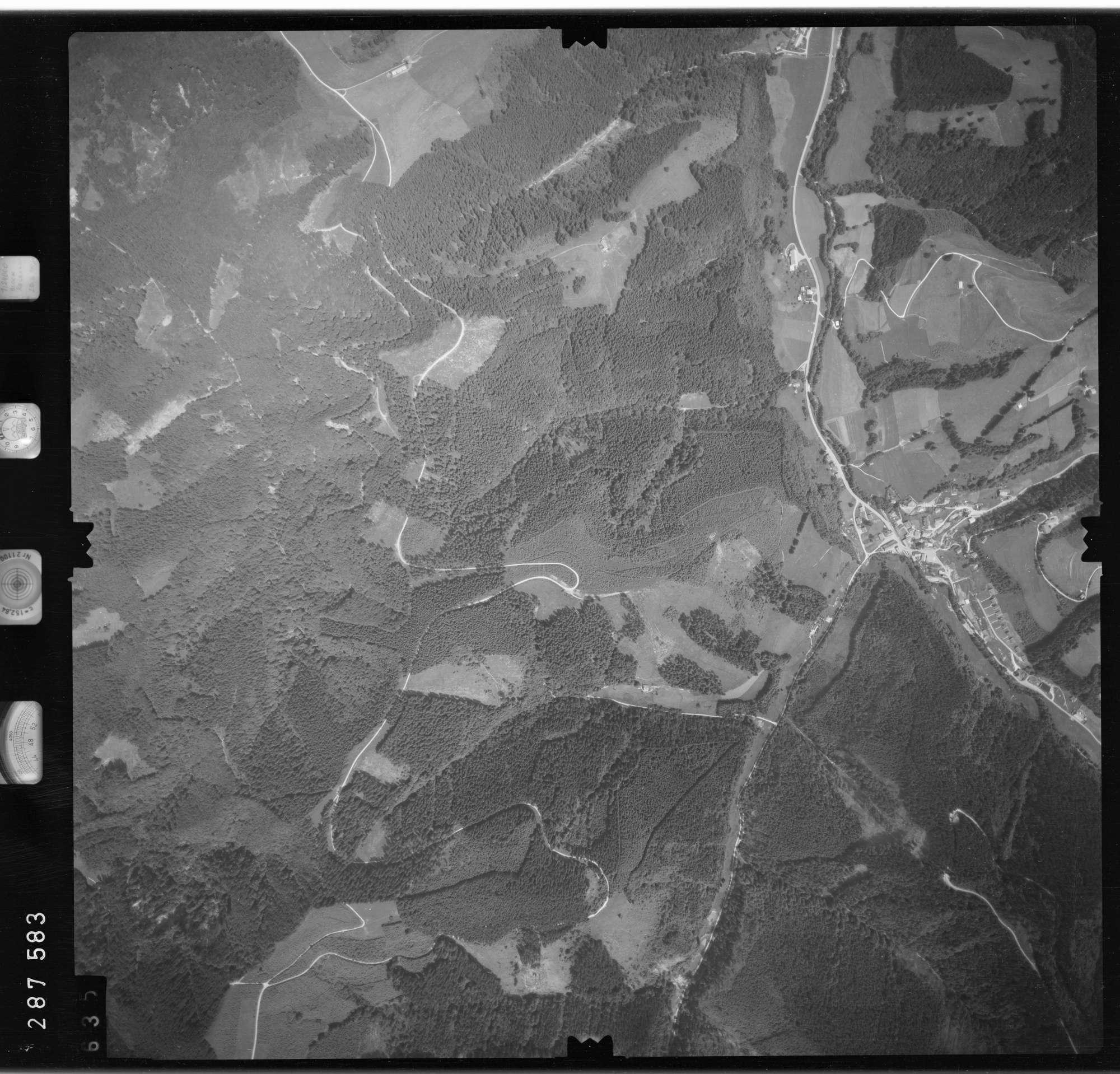 Luftbild: Film 76 Bildnr. 635, Bild 1
