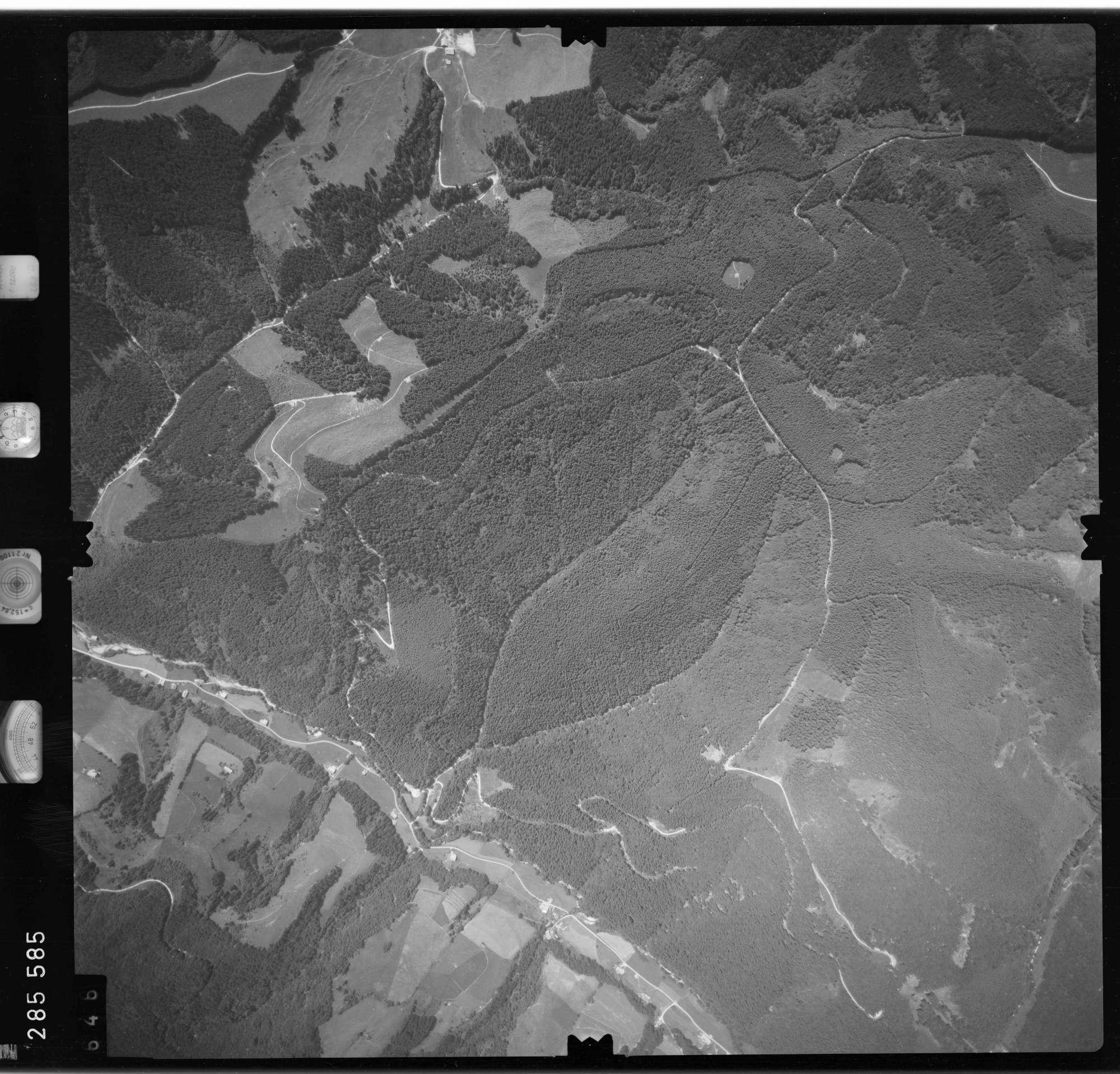 Luftbild: Film 76 Bildnr. 646, Bild 1