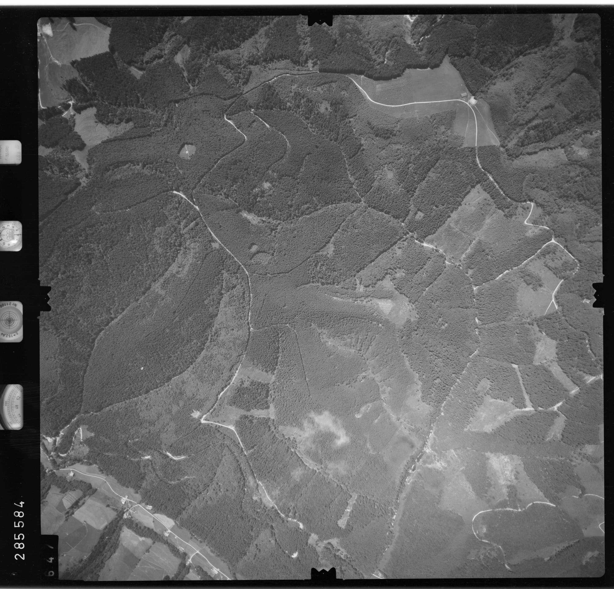 Luftbild: Film 76 Bildnr. 647, Bild 1