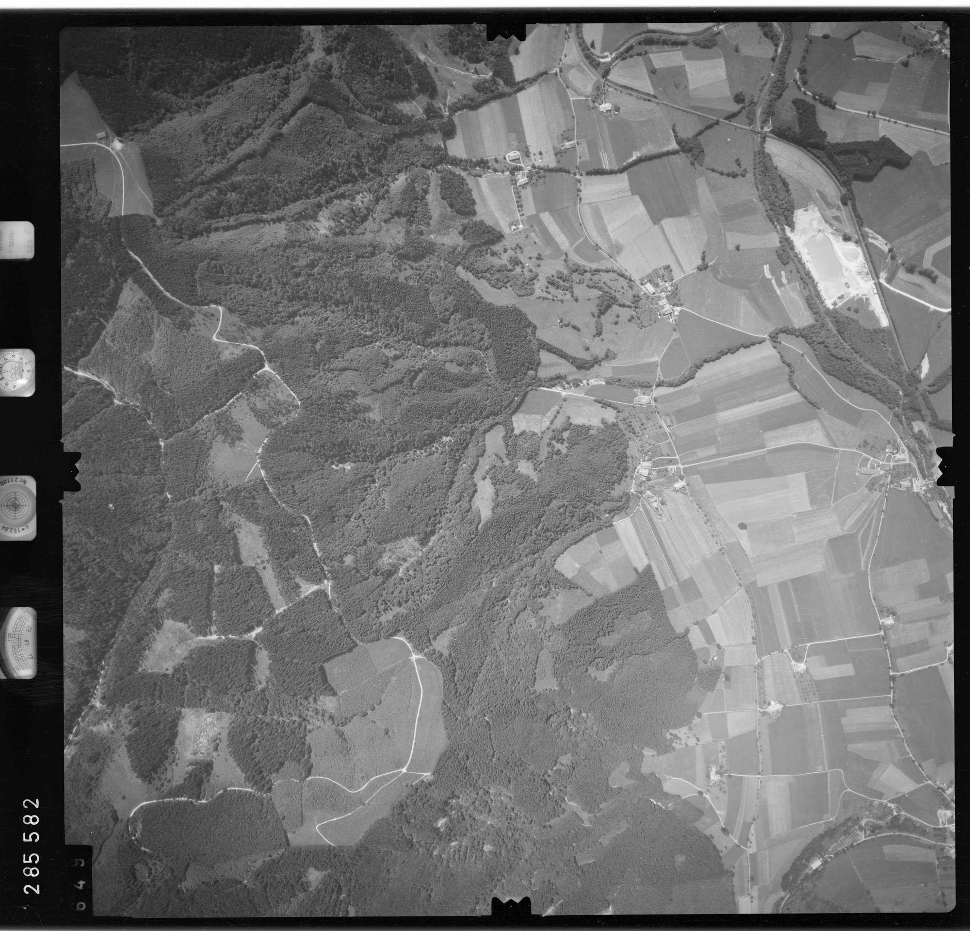 Luftbild: Film 76 Bildnr. 649, Bild 1