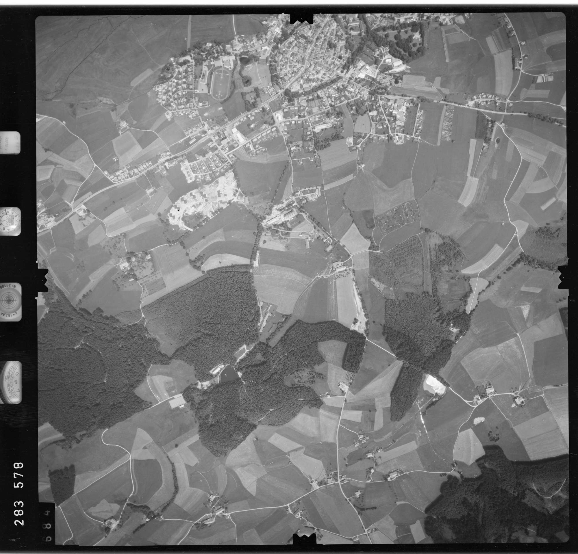 Luftbild: Film 76 Bildnr. 684, Bild 1