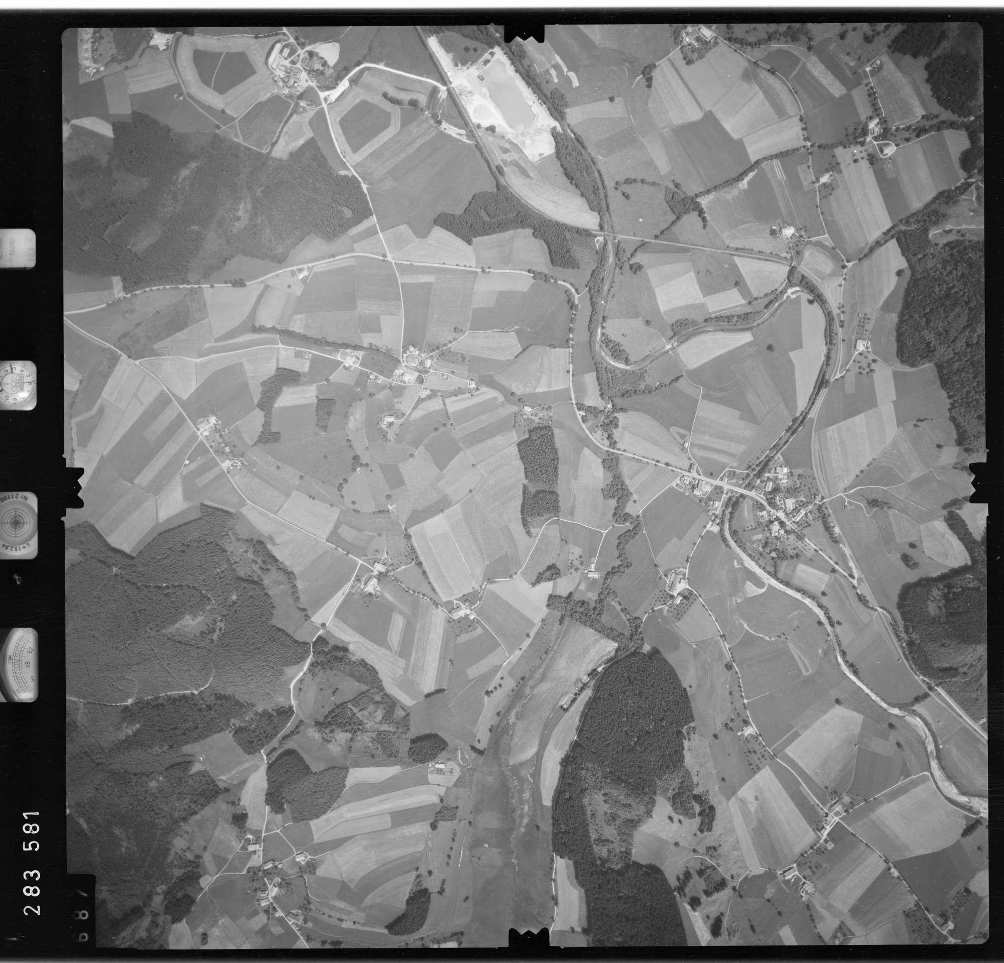 Luftbild: Film 76 Bildnr. 687, Bild 1
