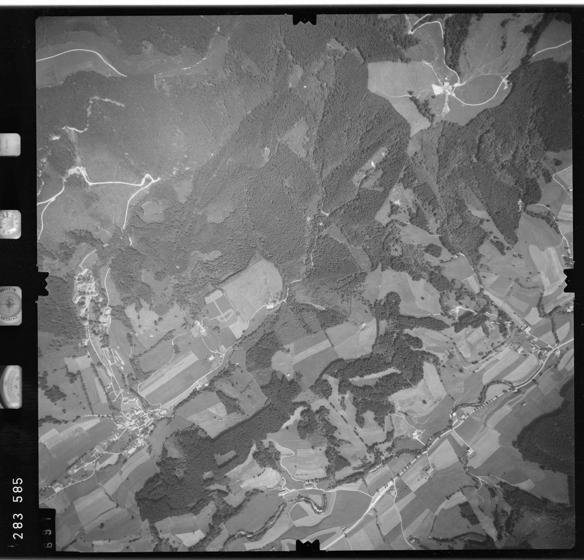 Luftbild: Film 76 Bildnr. 691, Bild 1