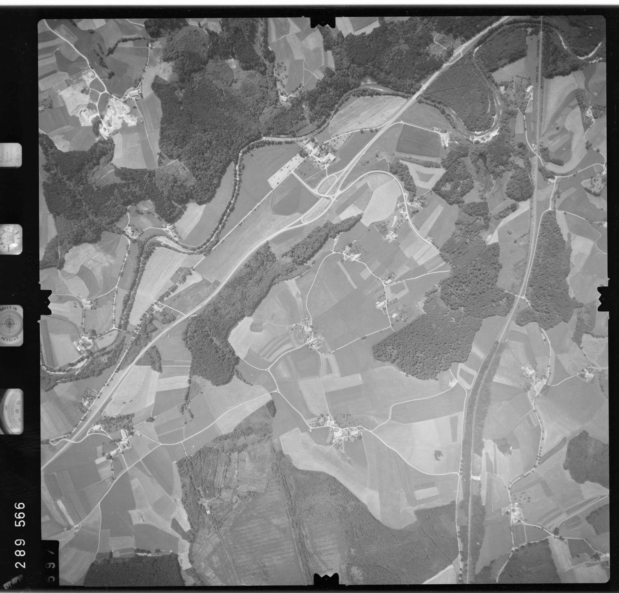 Luftbild: Film 76 Bildnr. 597, Bild 1