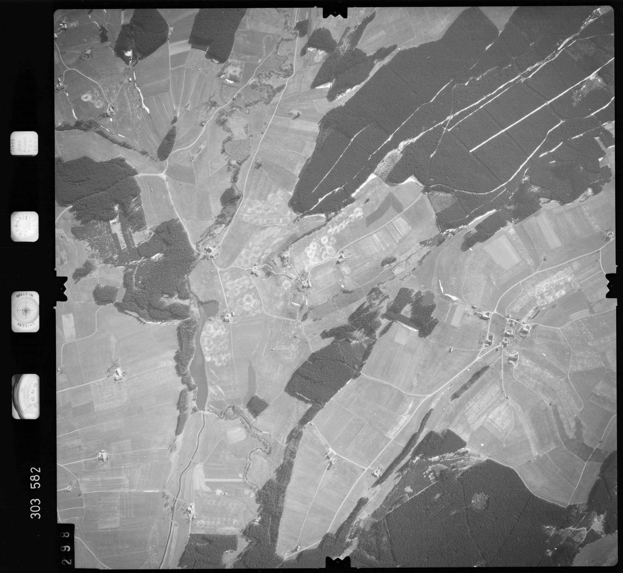 Luftbild: Film 64 Bildnr. 298, Bild 1