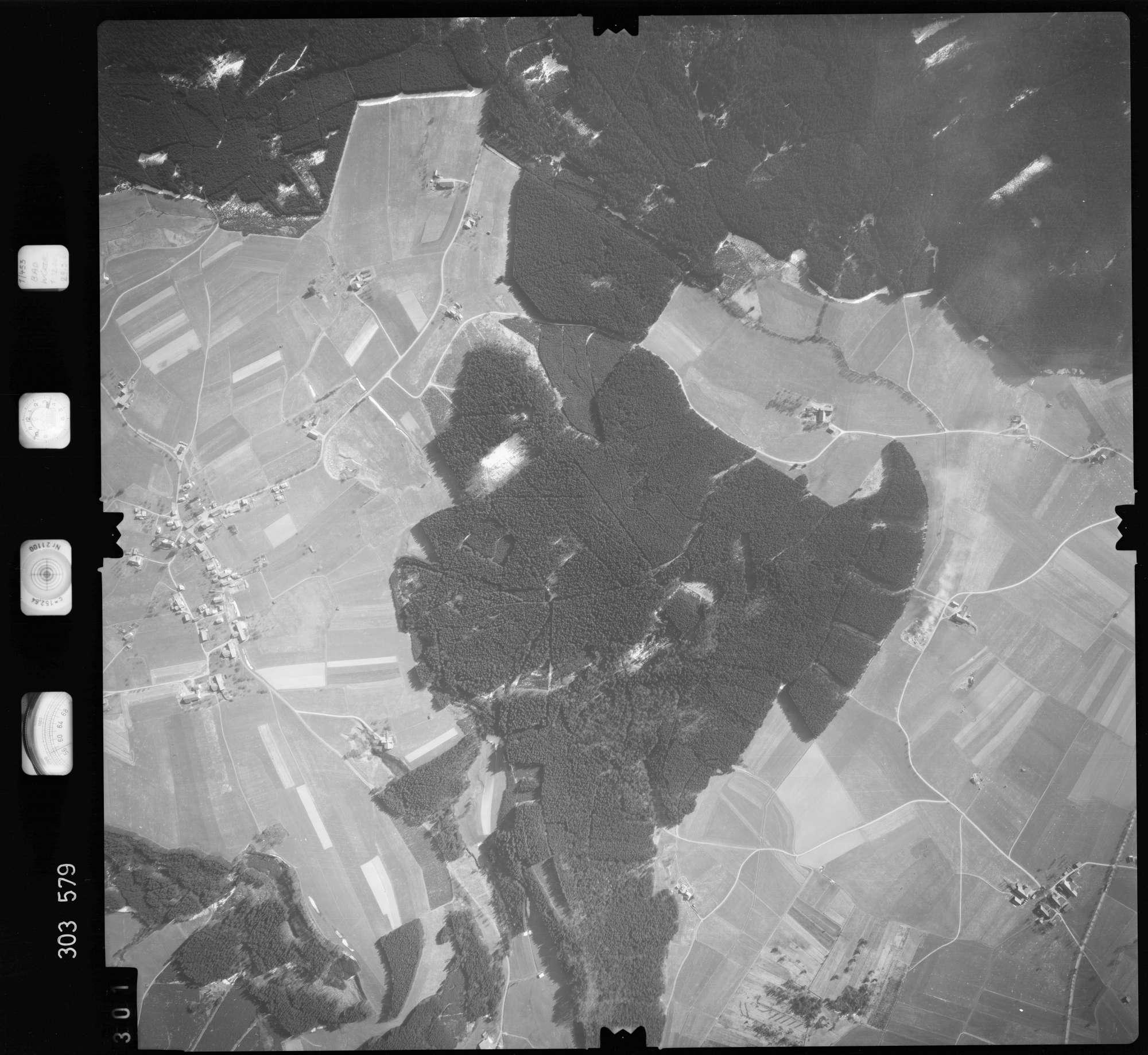 Luftbild: Film 64 Bildnr. 301, Bild 1