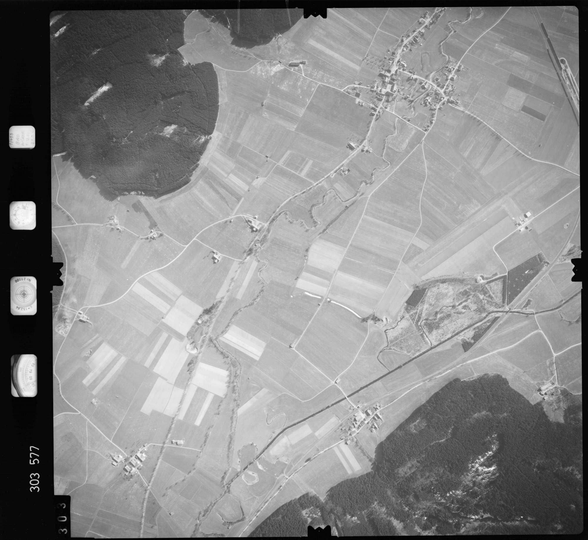 Luftbild: Film 64 Bildnr. 303, Bild 1