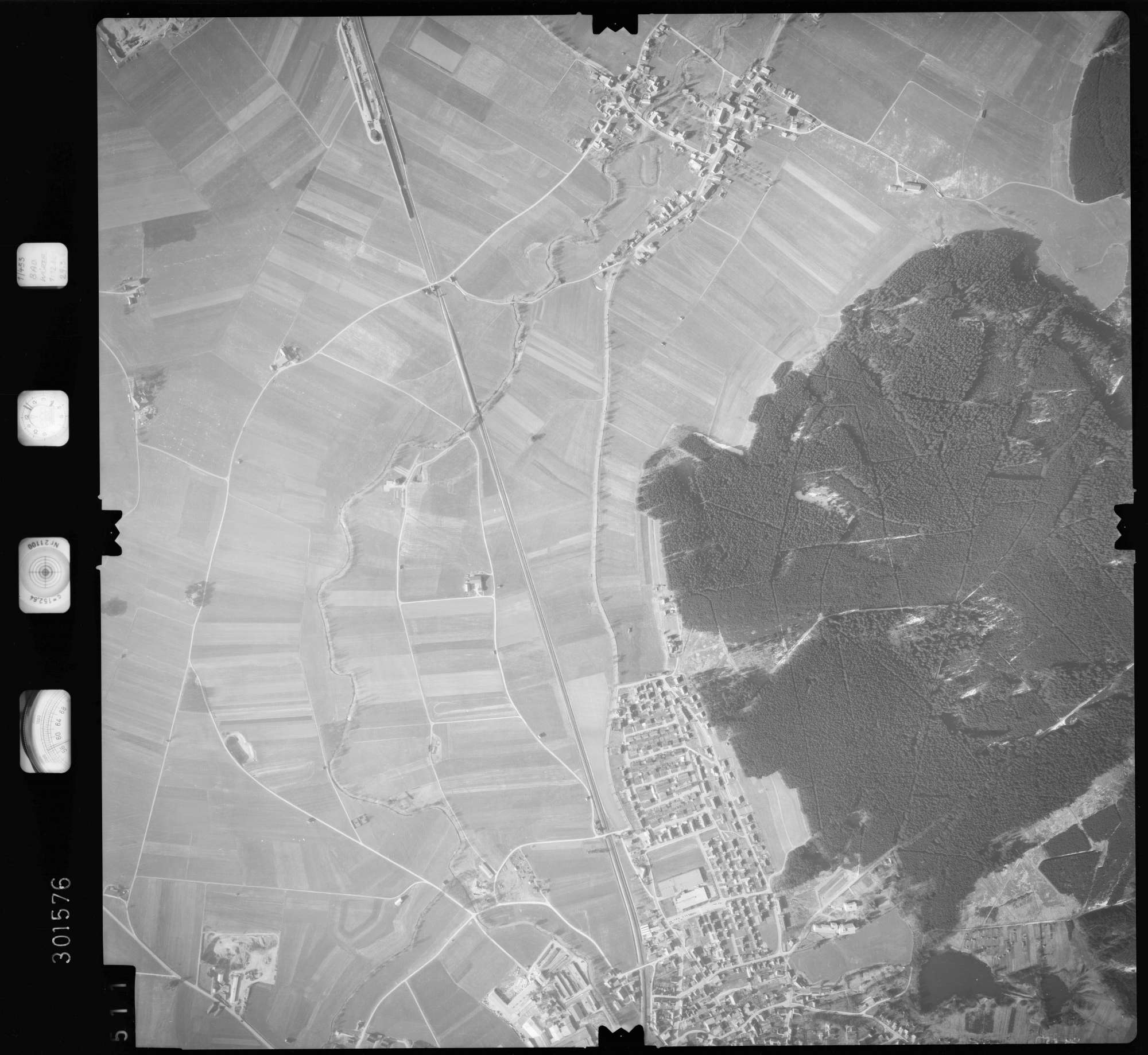 Luftbild: Film 64 Bildnr. 511, Bild 1