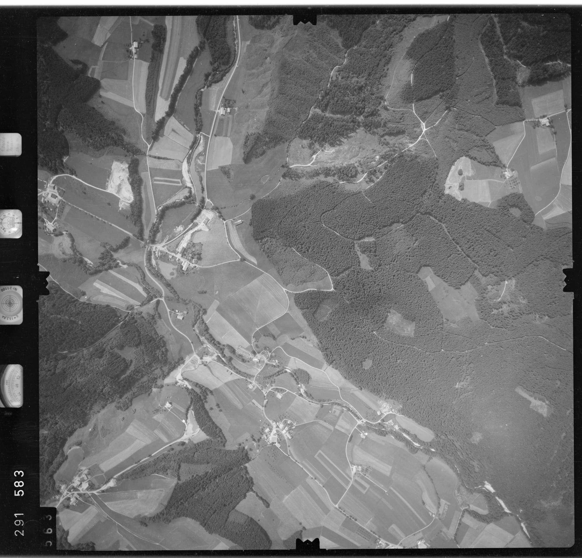 Luftbild: Film 76 Bildnr. 563, Bild 1