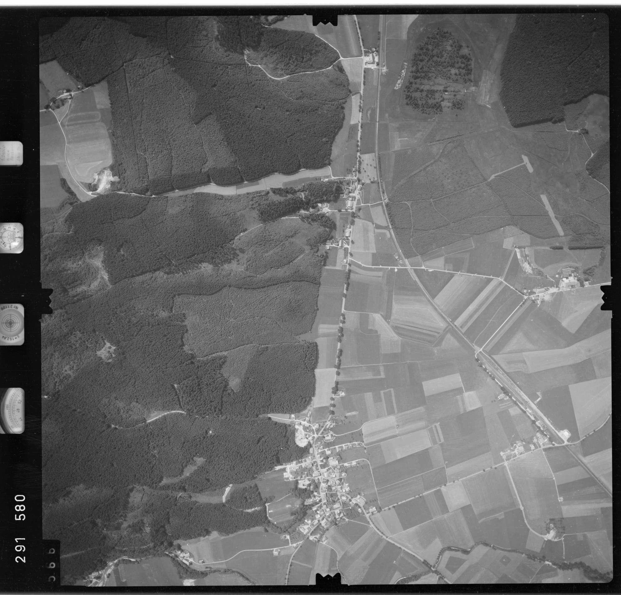 Luftbild: Film 76 Bildnr. 566, Bild 1