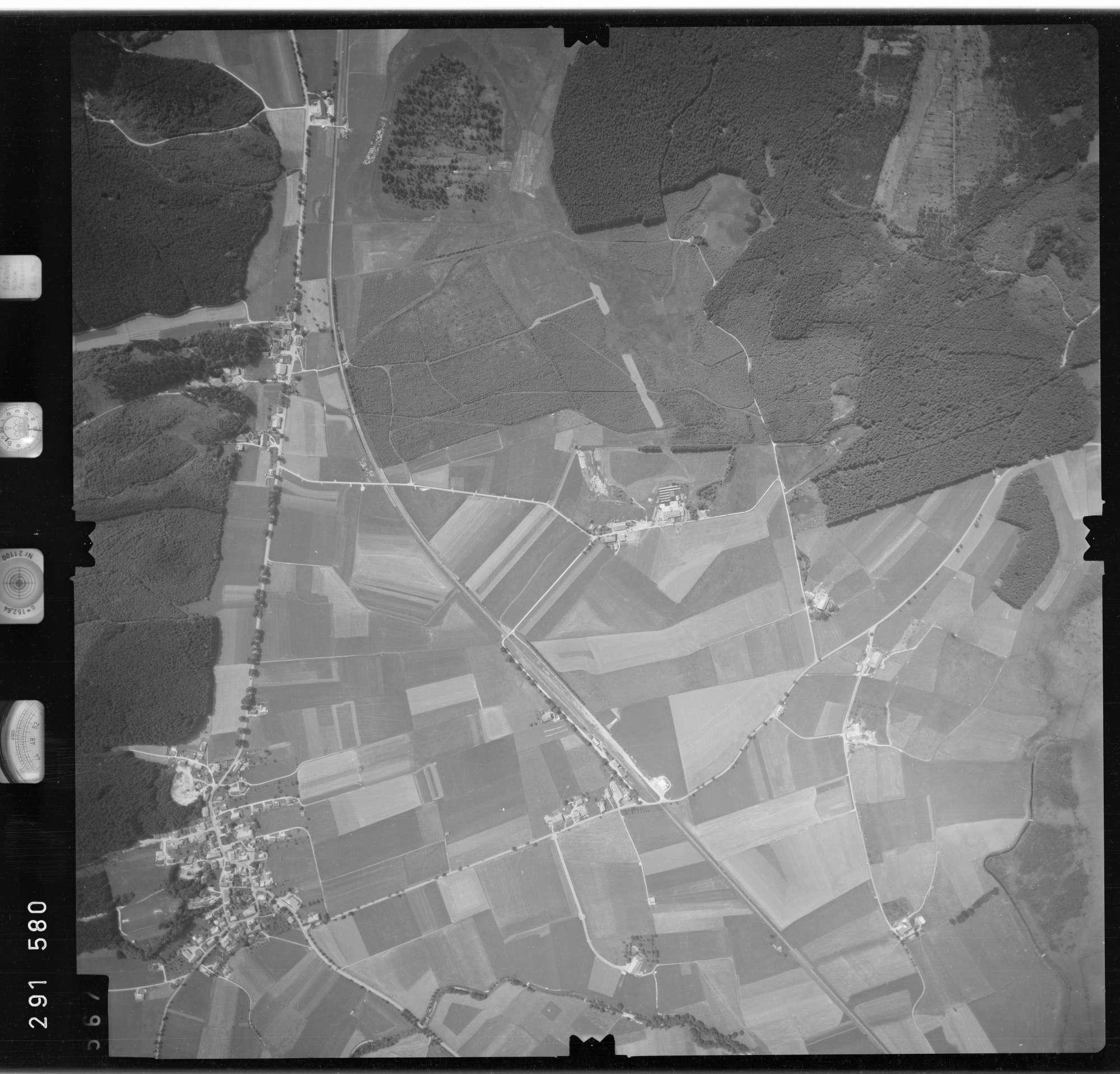 Luftbild: Film 76 Bildnr. 567, Bild 1