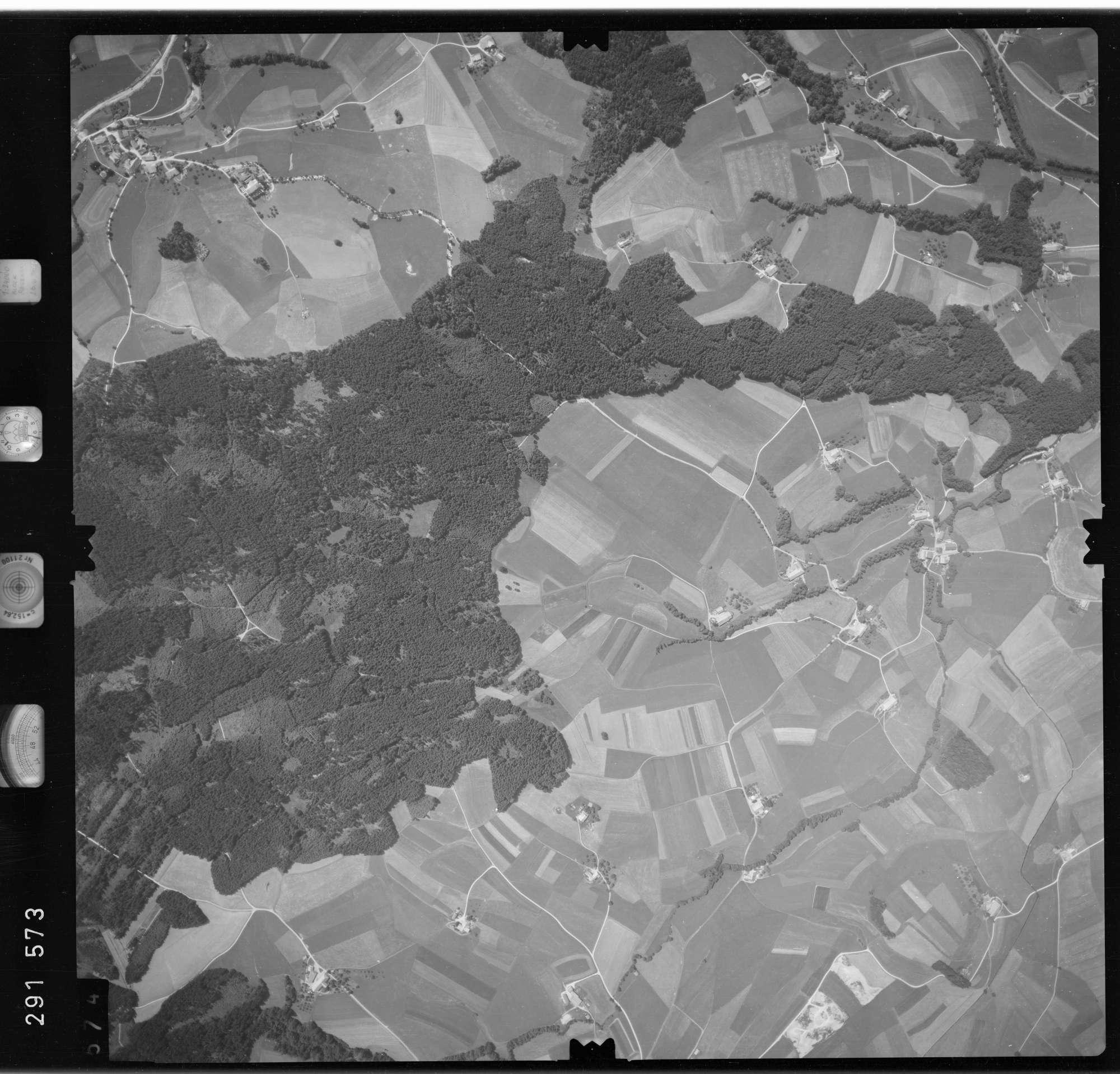 Luftbild: Film 76 Bildnr. 574, Bild 1