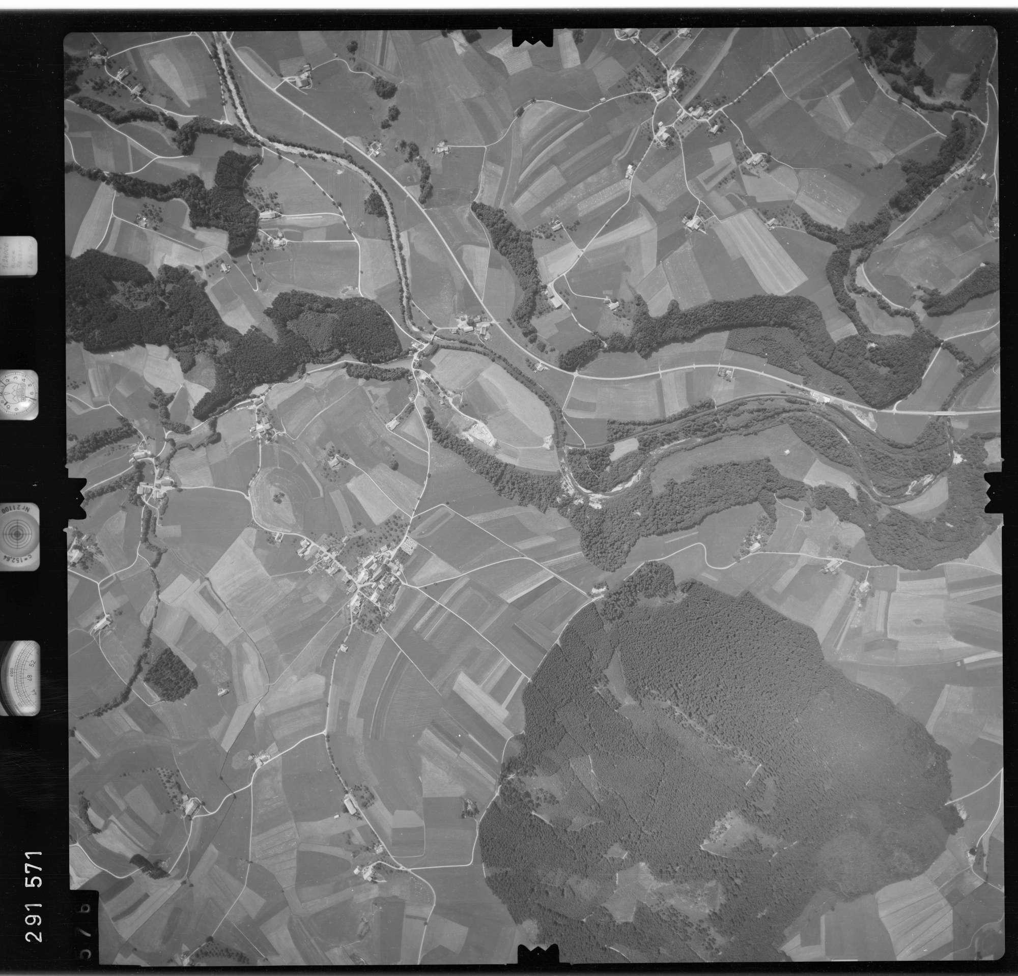 Luftbild: Film 76 Bildnr. 576, Bild 1