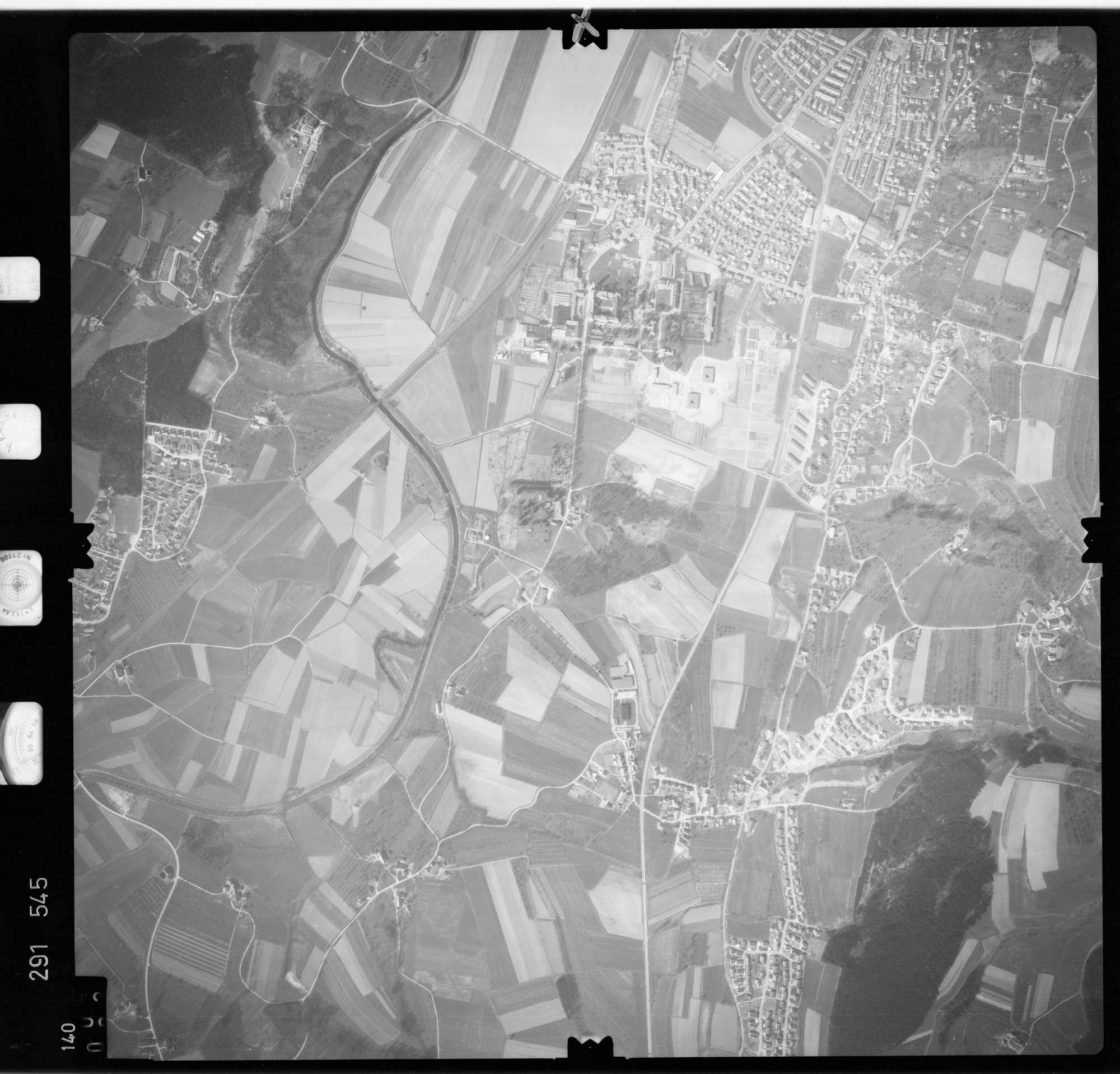 Luftbild: Film 74 Bildnr. 140, Bild 1