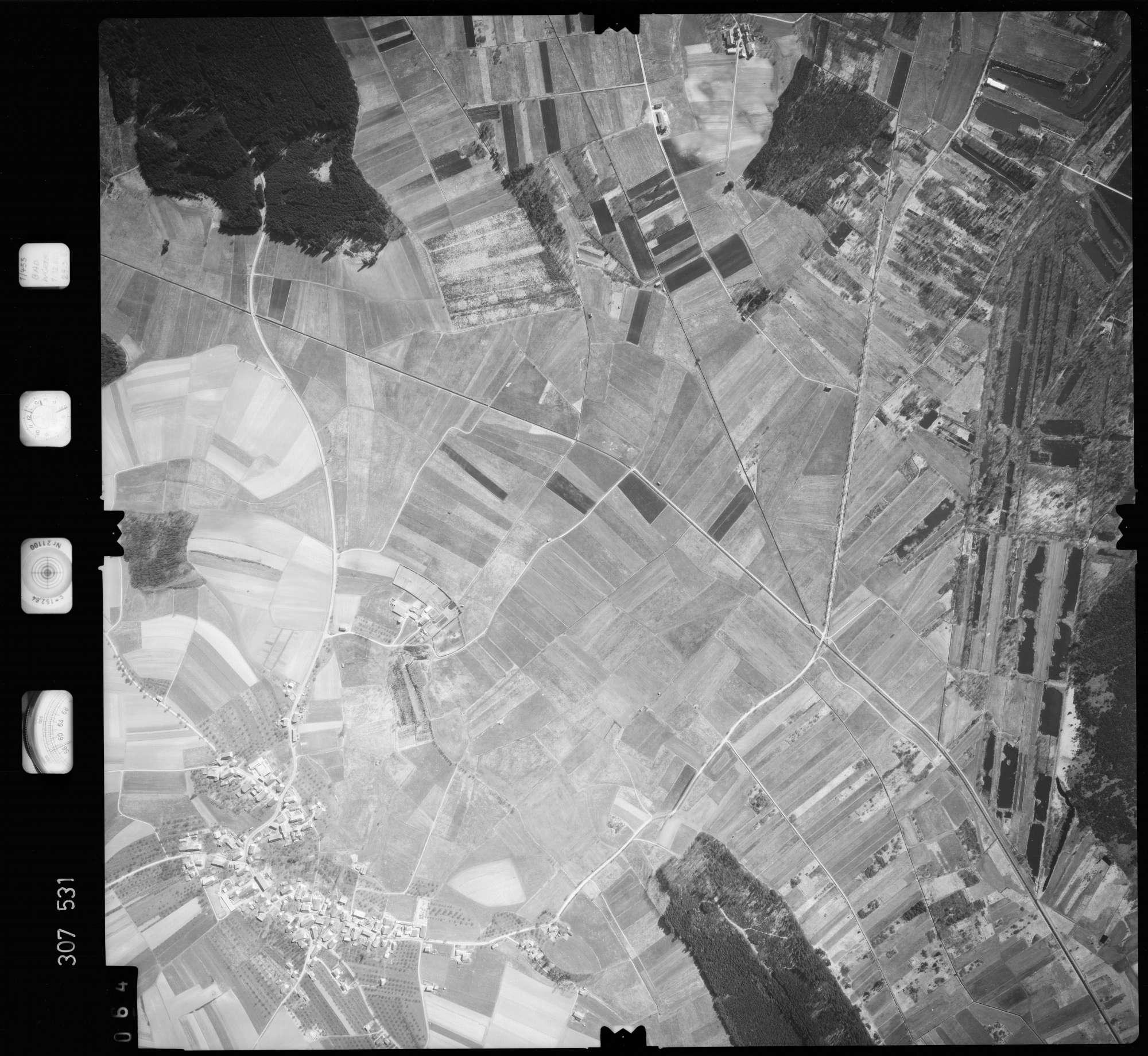 Luftbild: Film 61 Bildnr. 64, Bild 1