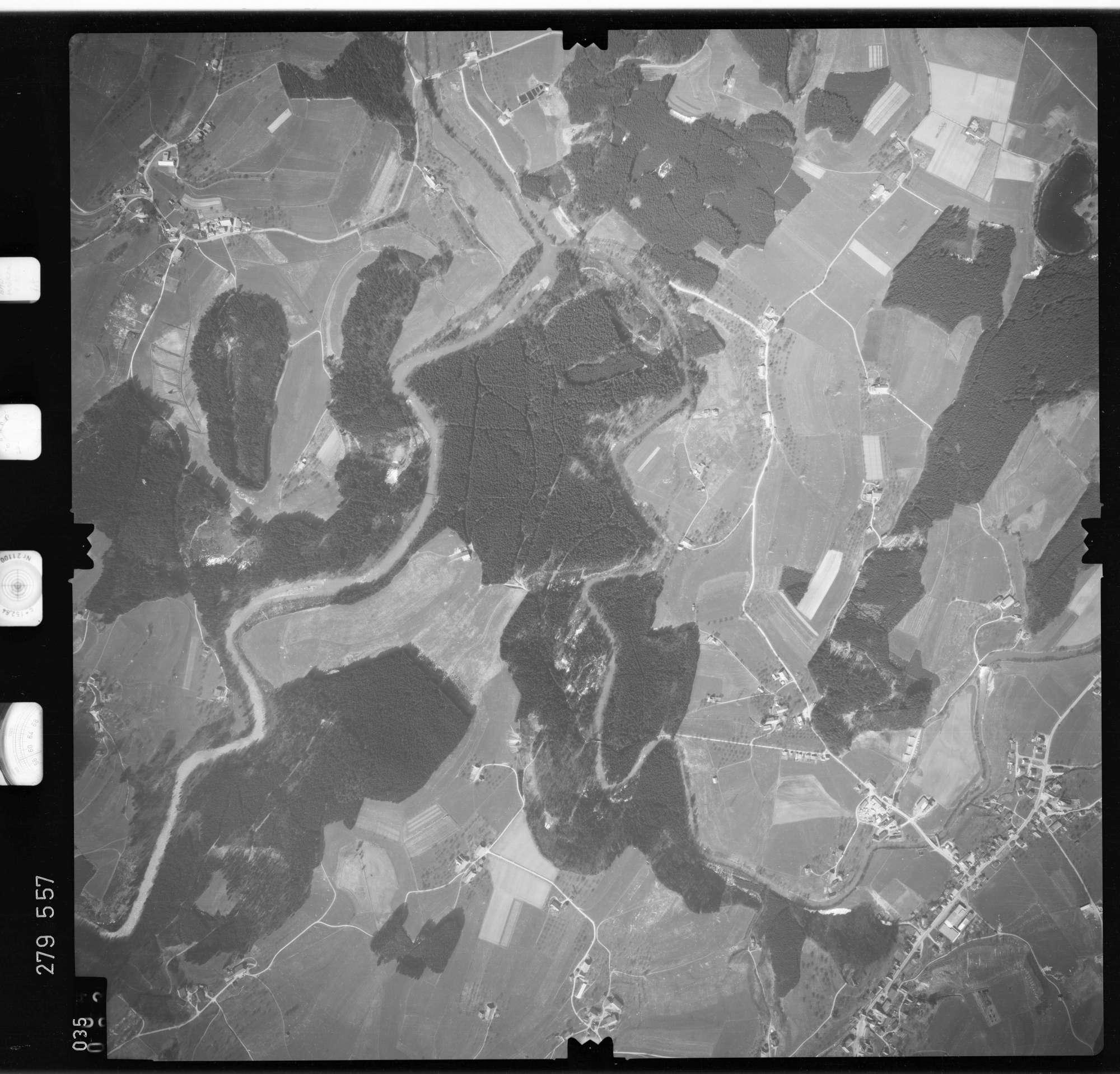 Luftbild: Film 74 Bildnr. 35, Bild 1