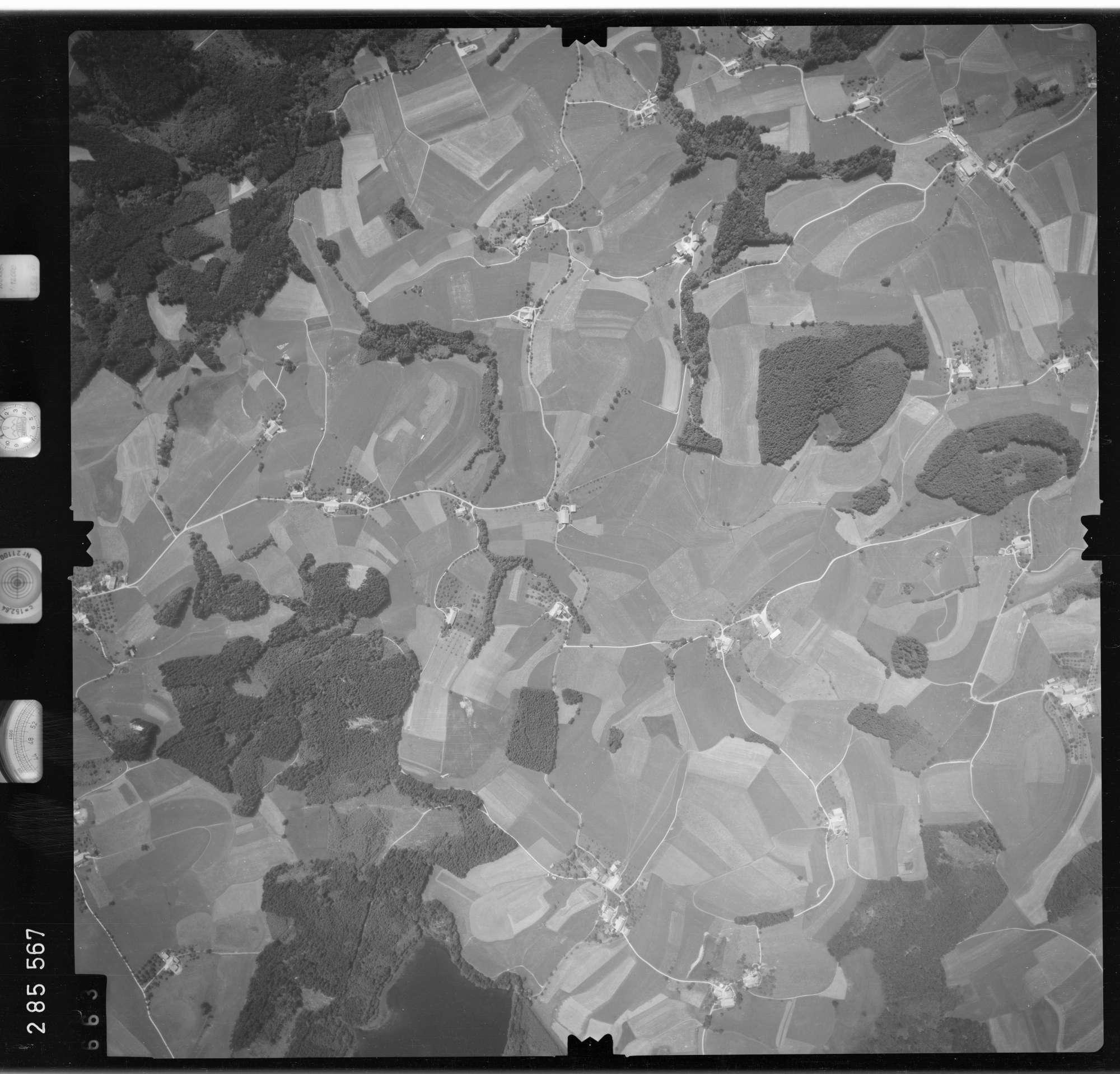 Luftbild: Film 76 Bildnr. 663, Bild 1