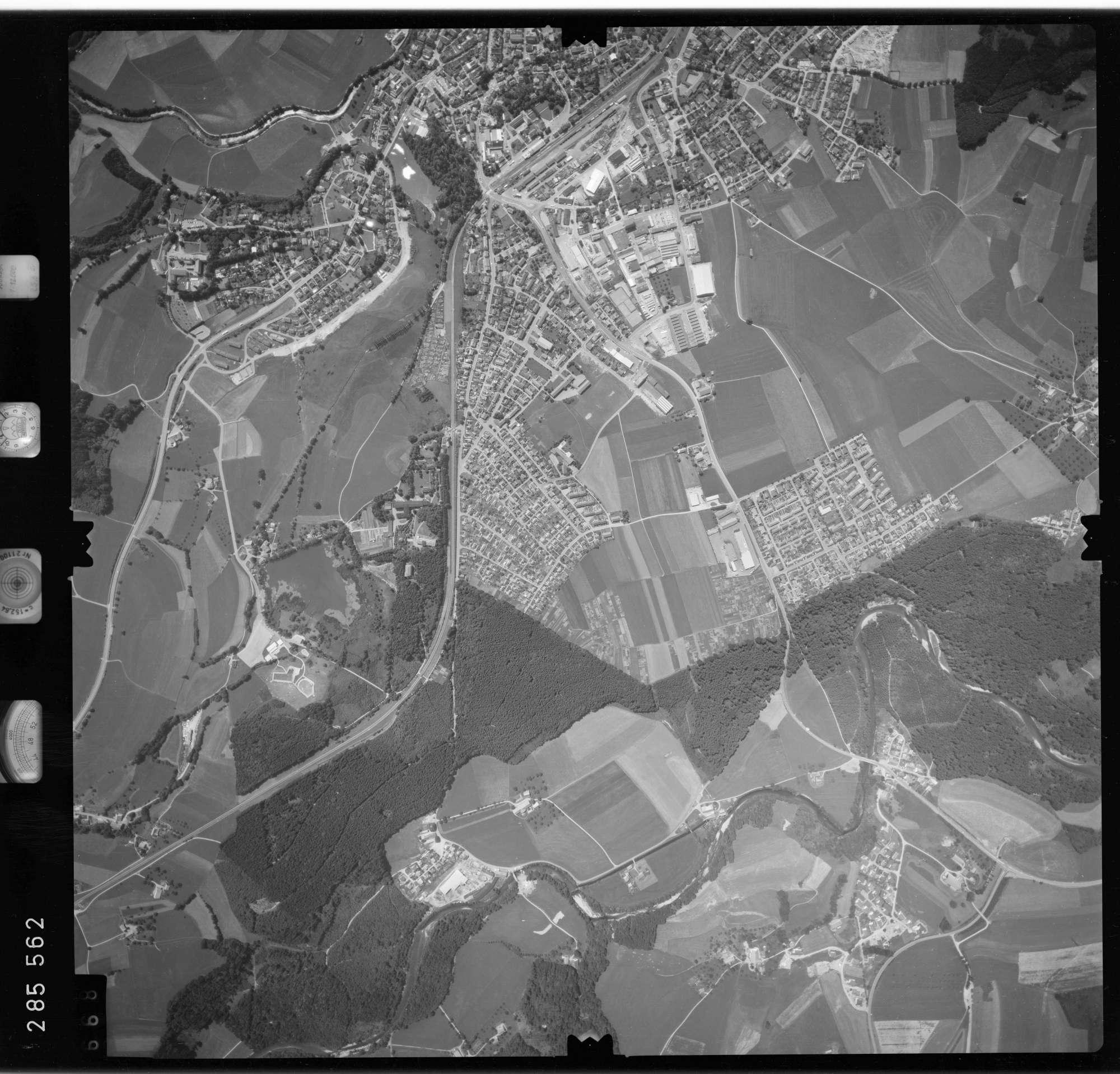 Luftbild: Film 76 Bildnr. 668, Bild 1