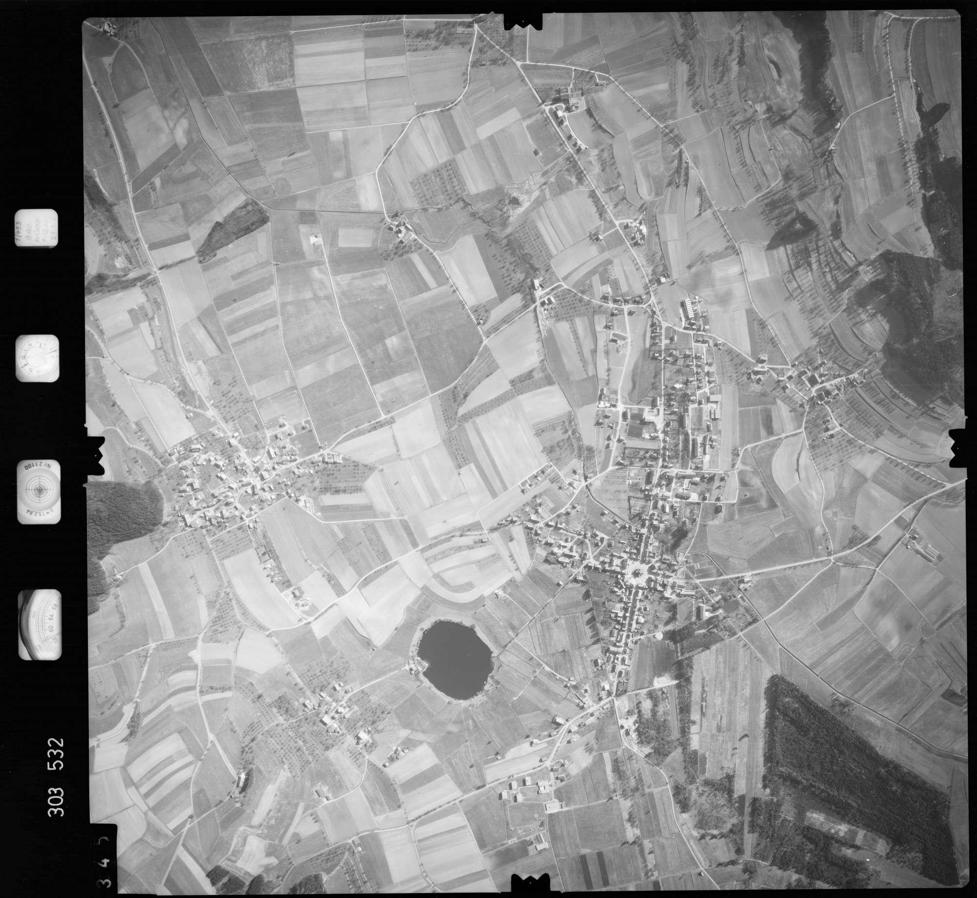 Luftbild: Film 64 Bildnr. 345, Bild 1