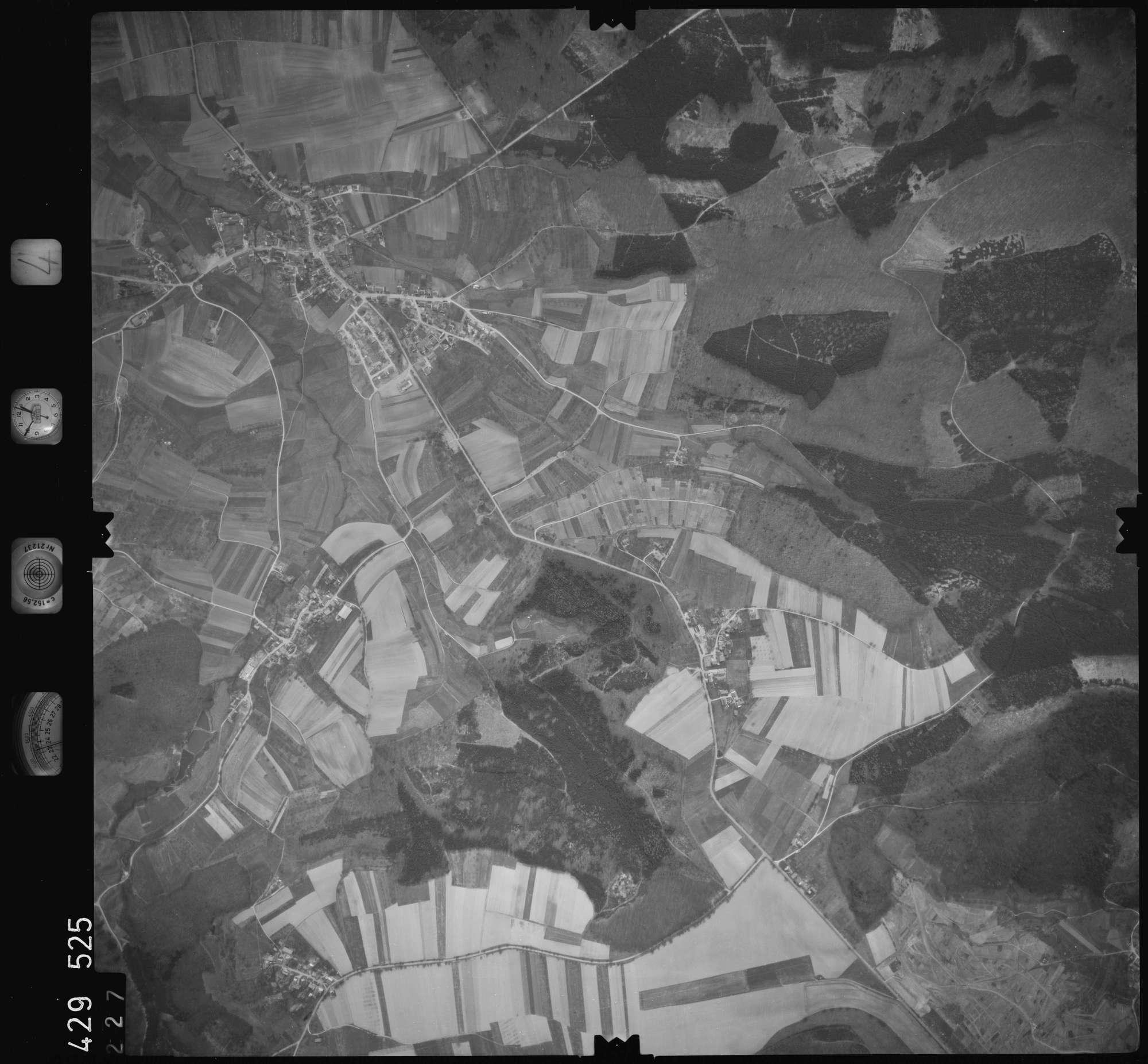 Luftbild: Film 4 Bildnr. 227, Bild 1