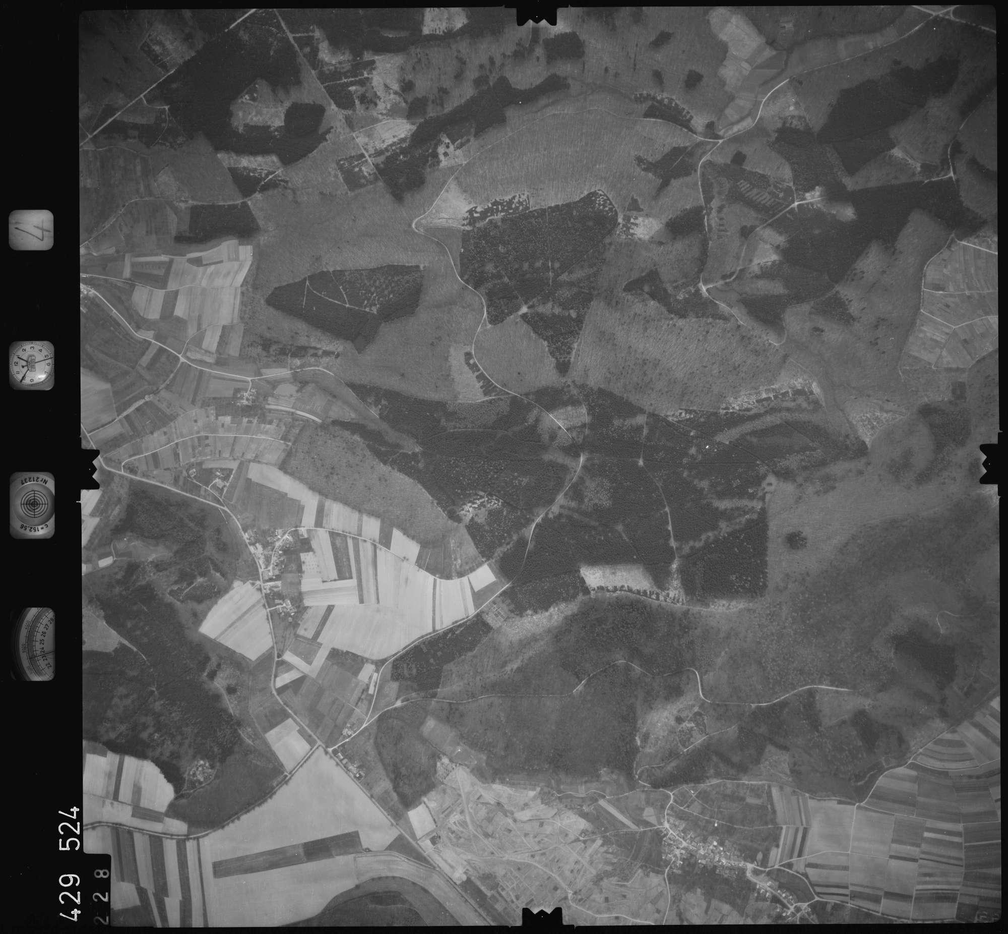 Luftbild: Film 4 Bildnr. 228, Bild 1