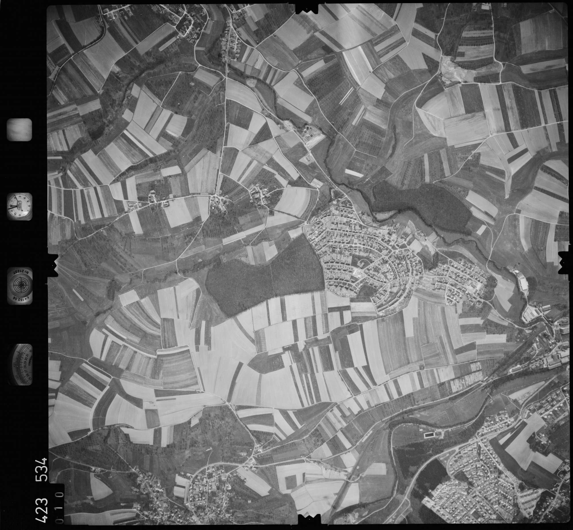 Luftbild: Film 1 Bildnr. 10, Bild 1