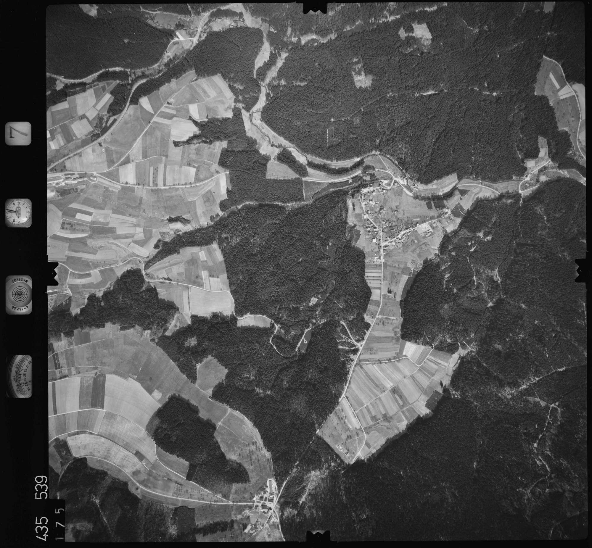 Luftbild: Film 7 Bildnr. 175, Bild 1