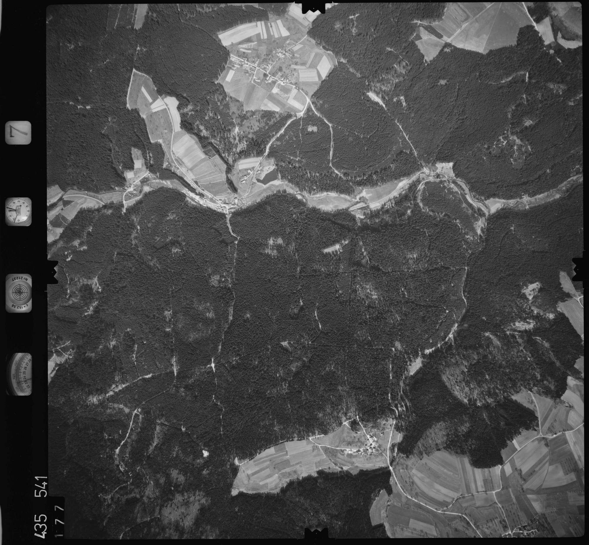 Luftbild: Film 7 Bildnr. 177, Bild 1