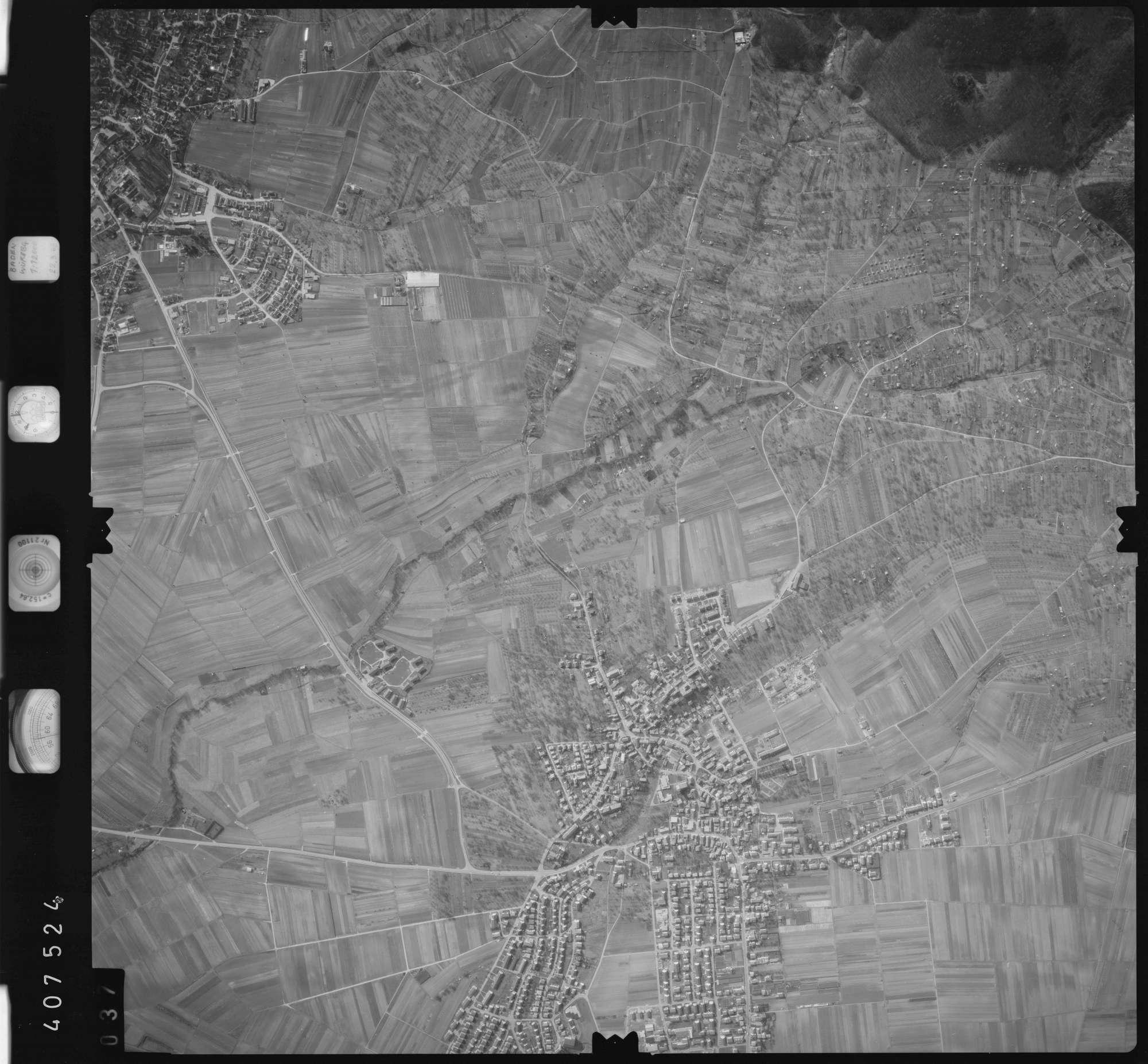 Luftbild: Film 5 Bildnr. 37, Bild 1