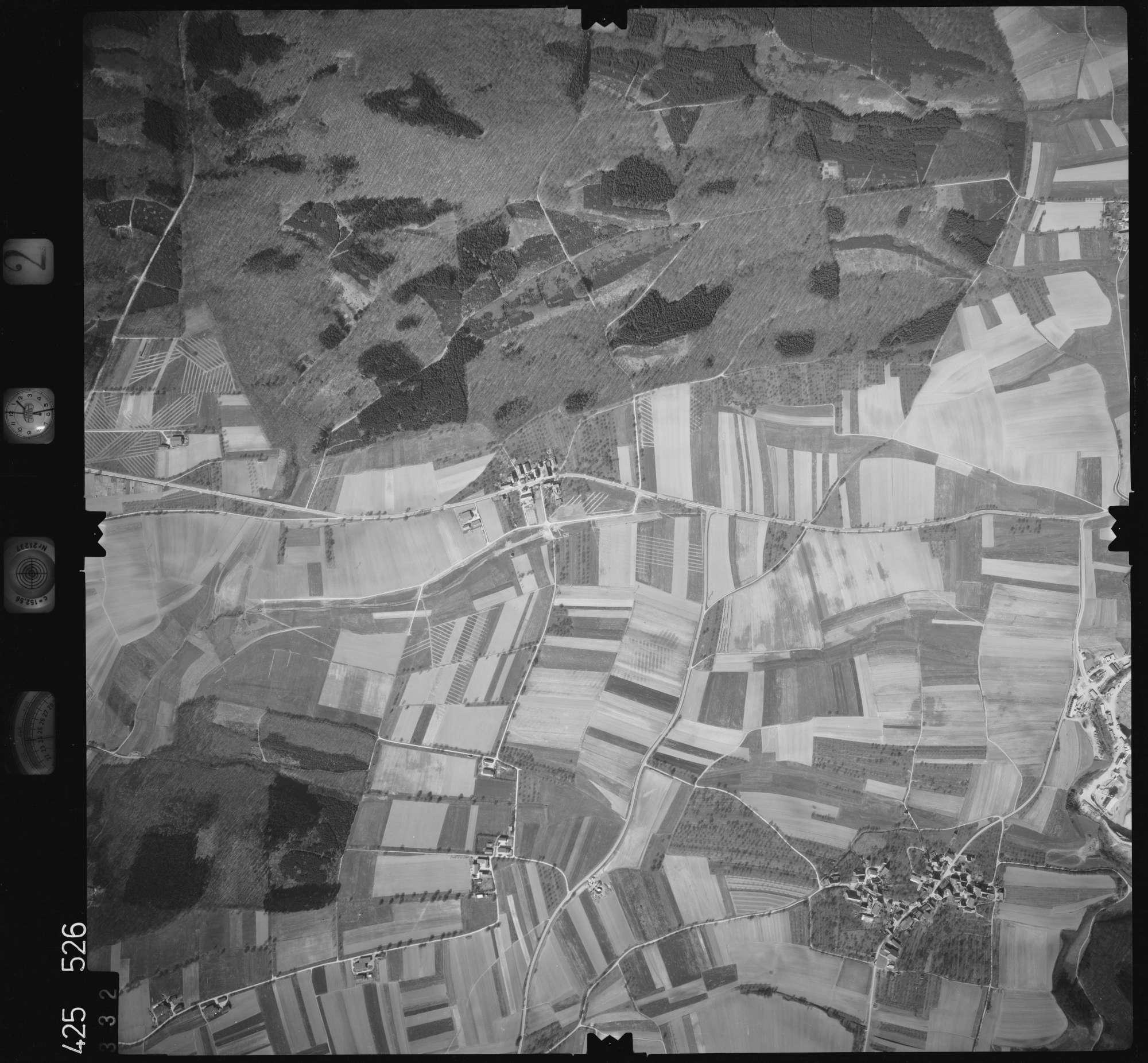 Luftbild: Film 2 Bildnr. 332, Bild 1