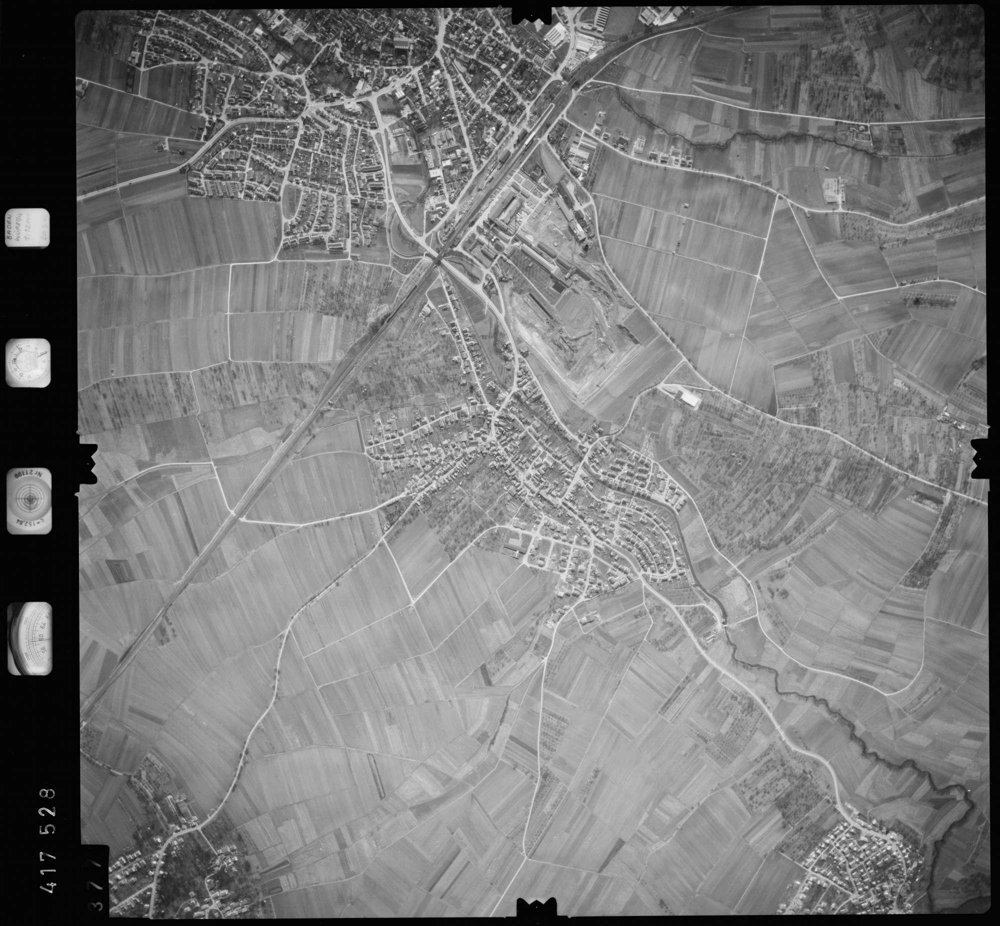 Luftbild: Film 2 Bildnr. 377, Bild 1
